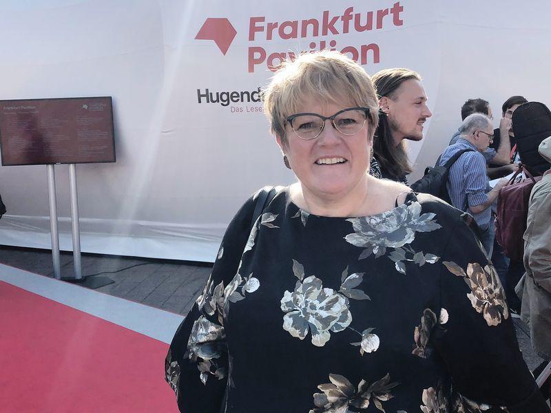 Trine Skei Grande tror regjeringens foreslåtte lovendring vil gå raskt igjennom Stortinget. Her avbildet under en bokmessen i Frankfurt i oktober.
