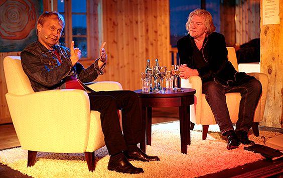 Nils Gaup ansikt til ansikt med Morten.