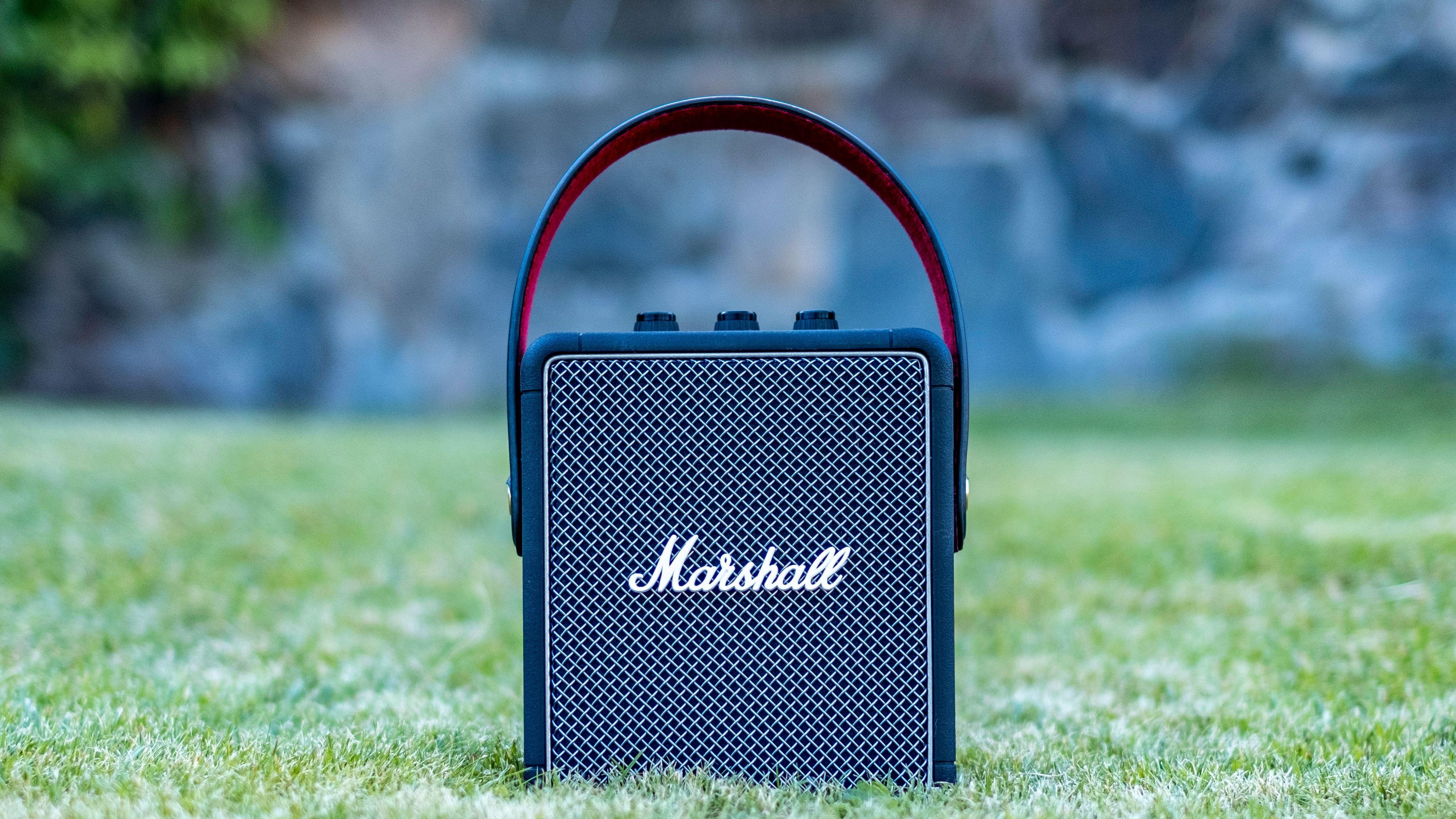 Denne høyttaleren gjør seg også bra i parken. Den spiller ut fra begge sider, men mye av basstrøkket er rettet fremover.