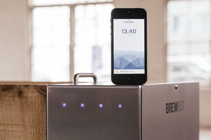 En iOS-app gir konstant informasjon om bryggeprosessen, slik at du slipper å passe på temperaturer eller bryggetid selv.Foto: Cargo/BrewBot