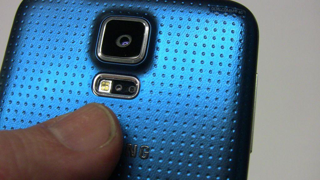 Vi liker den nye baksiden på Samsung Galaxy S5.Foto: Espen Irwing Swang, Amobil.no