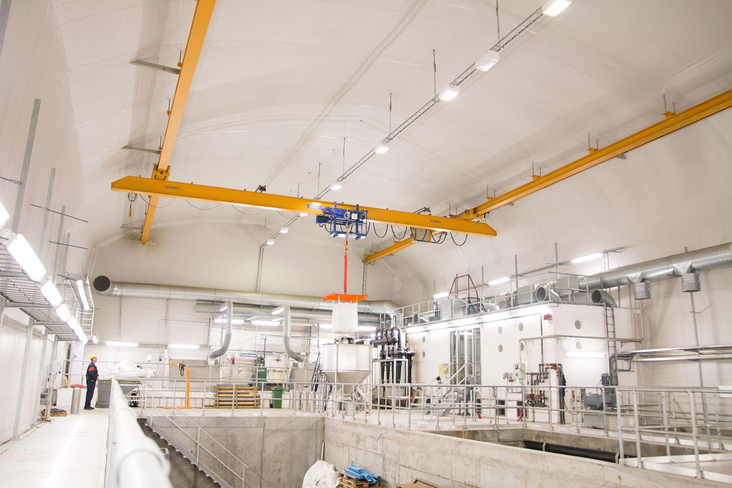 I en egen hall kan opptill 4000 liter vann prosesseres i sekundet. Denne starter først når pågangen i anlegget er ekstremt stor