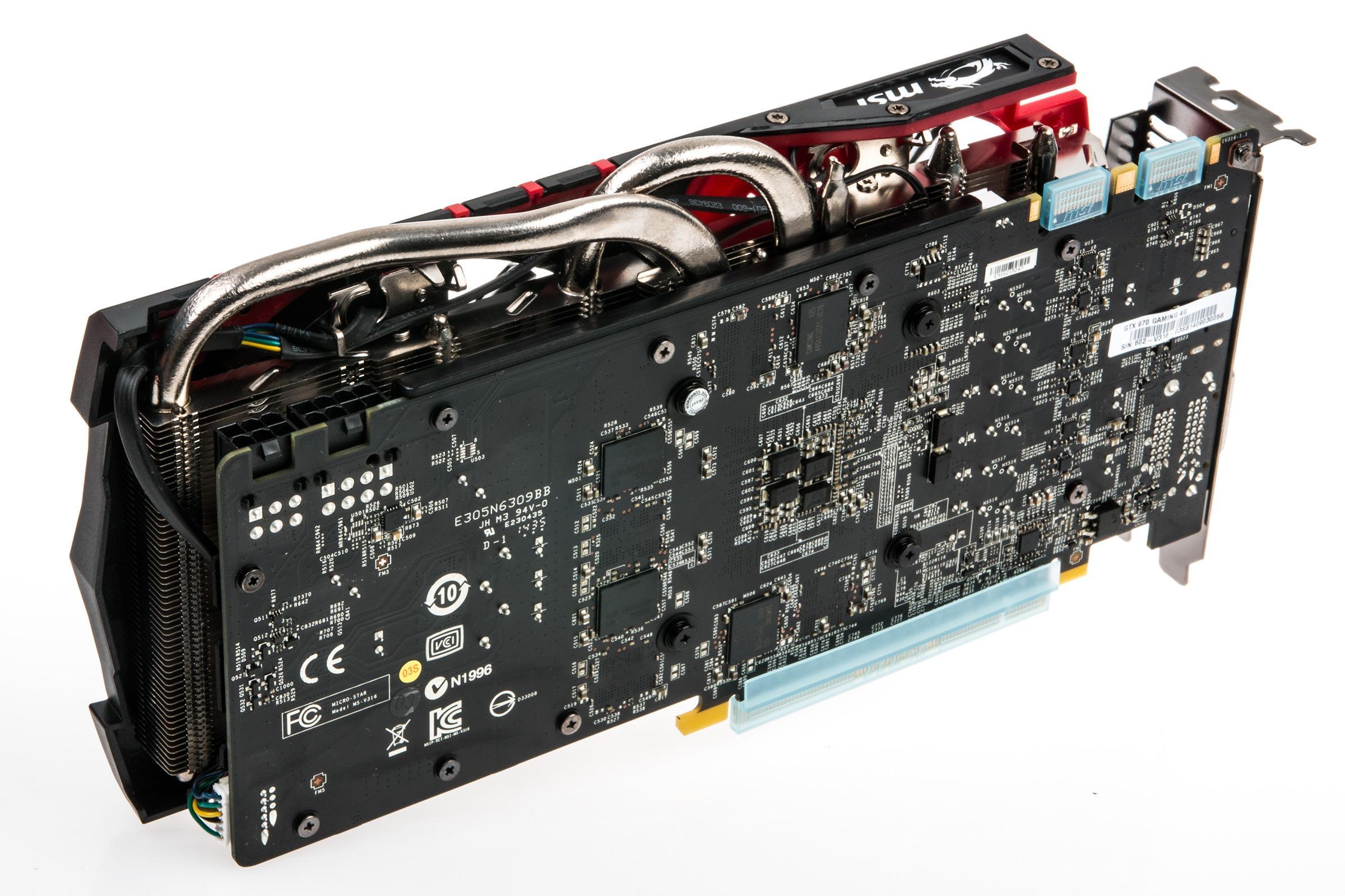 Bakerst på MSIs nye GeForce GTX 970 står det en 6-pins og en 8-pins strømkontakt.Foto: Varg Aamo, Tek.no