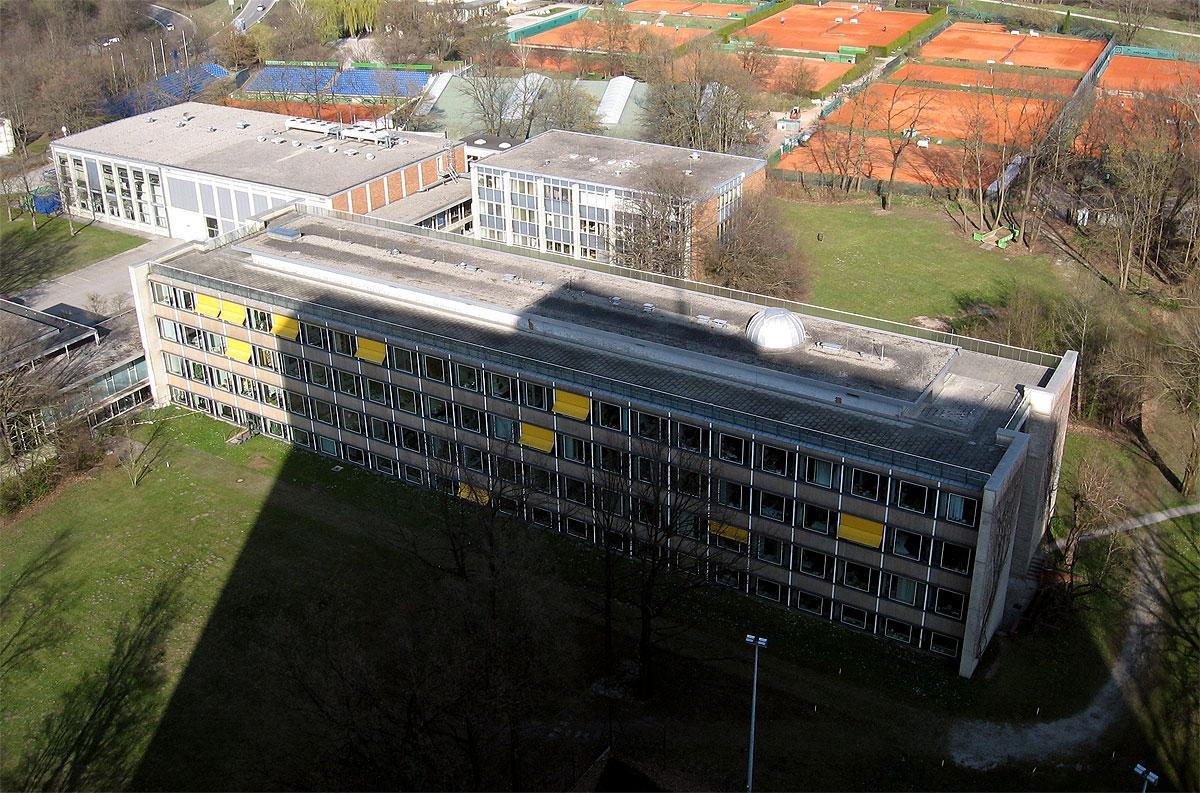 UBEGRIPELIG: Ferenc Krausz ved Max Planck-instituttet i Tyskland har målt det korteste intervallet noen sinne, tiden det tar for et elektron å skifte bane i et atom.Foto: Wikimedia Commons