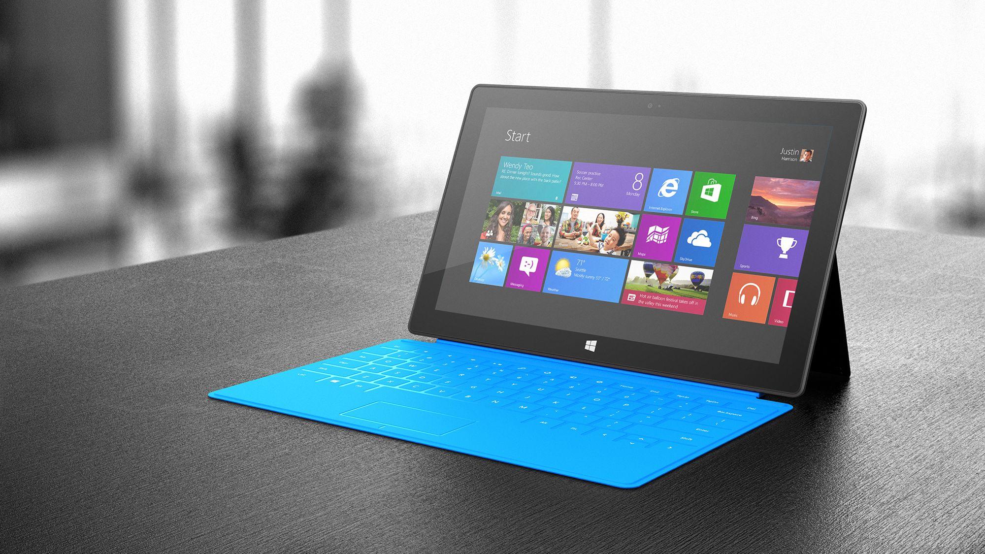 Det tynne dekselet har qwerty-tastatur som tåler søl. Det kommer i flere farger. Foto: Microsoft