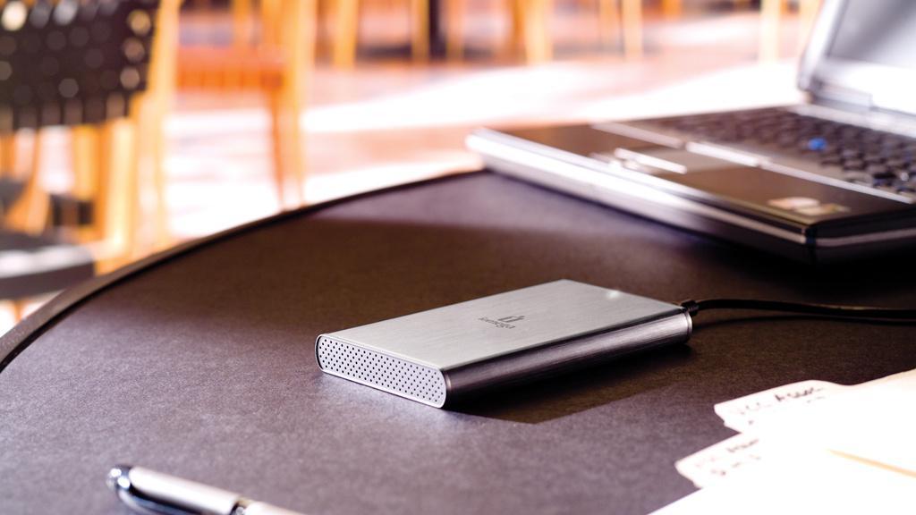Eksterne 2,5-tommers disker får strøm nok gjennom USB-kabelen.