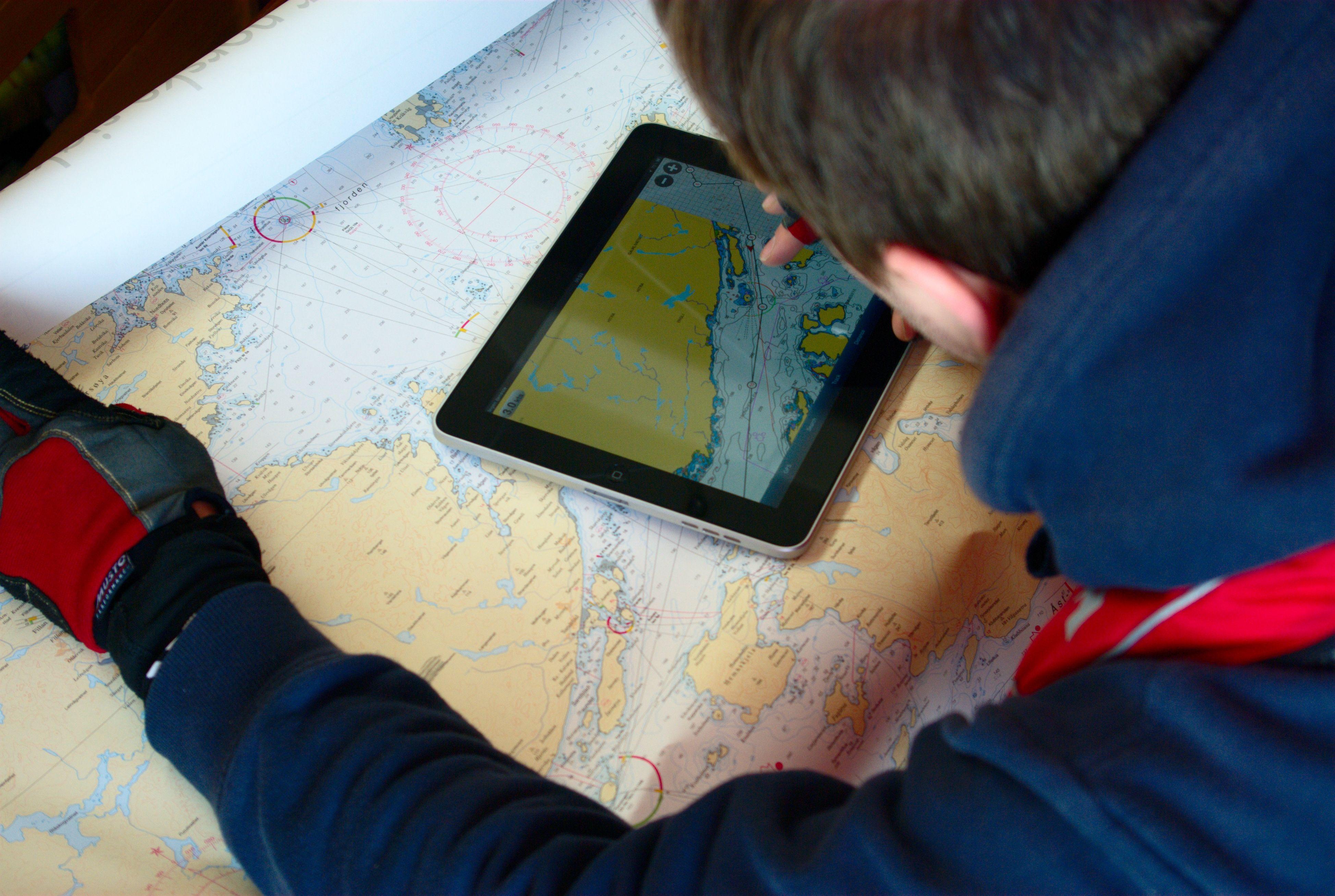 iPad koster forbausende lite når man sammenligner med vanlige kartplottere og sjøkart.
