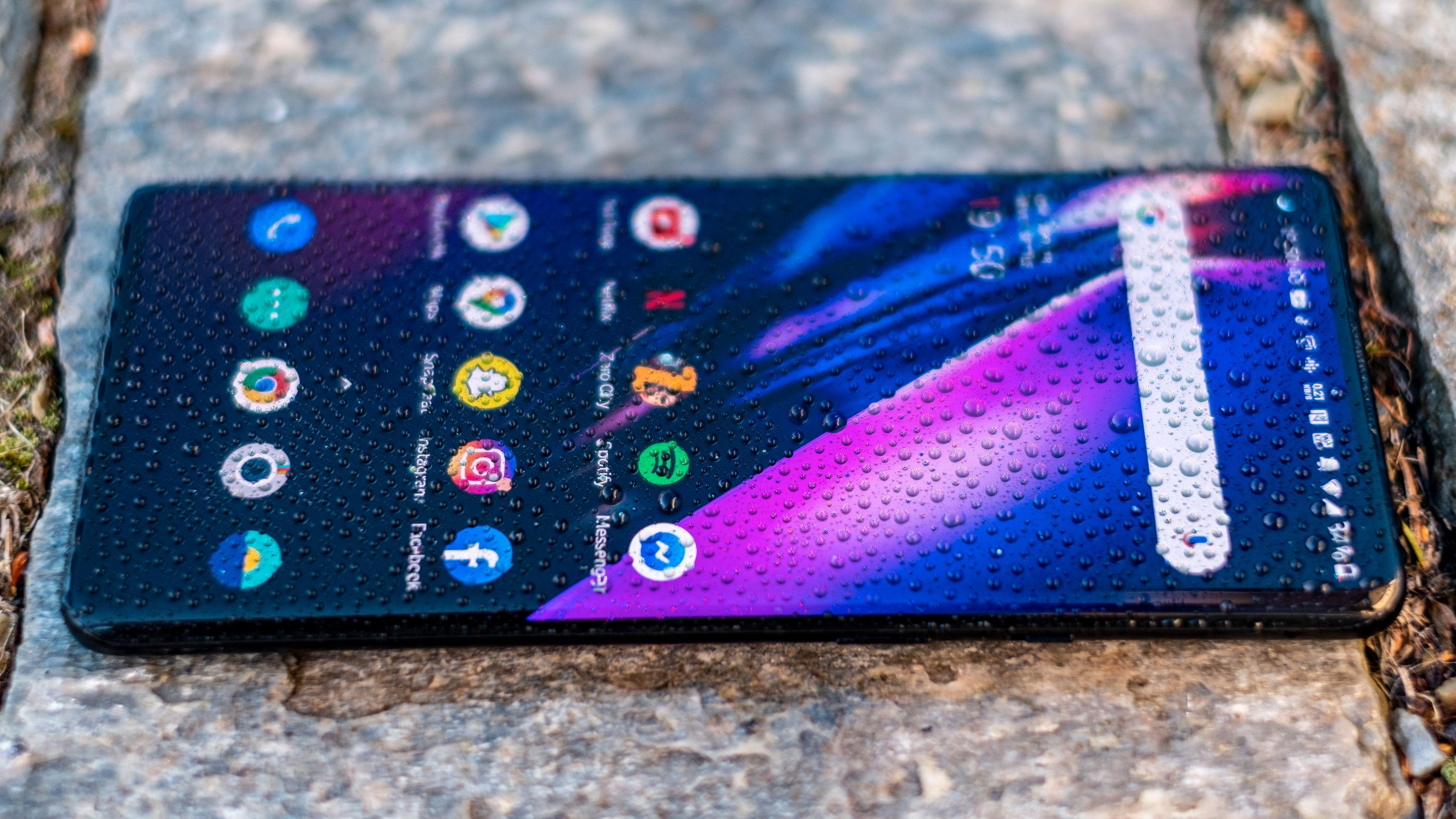 I 8-serien har OnePlus-mobilene blitt kjedeligere, men de har unektelig også blitt bedre. Dette er årets eneste flaggskip som holder alt det lover.