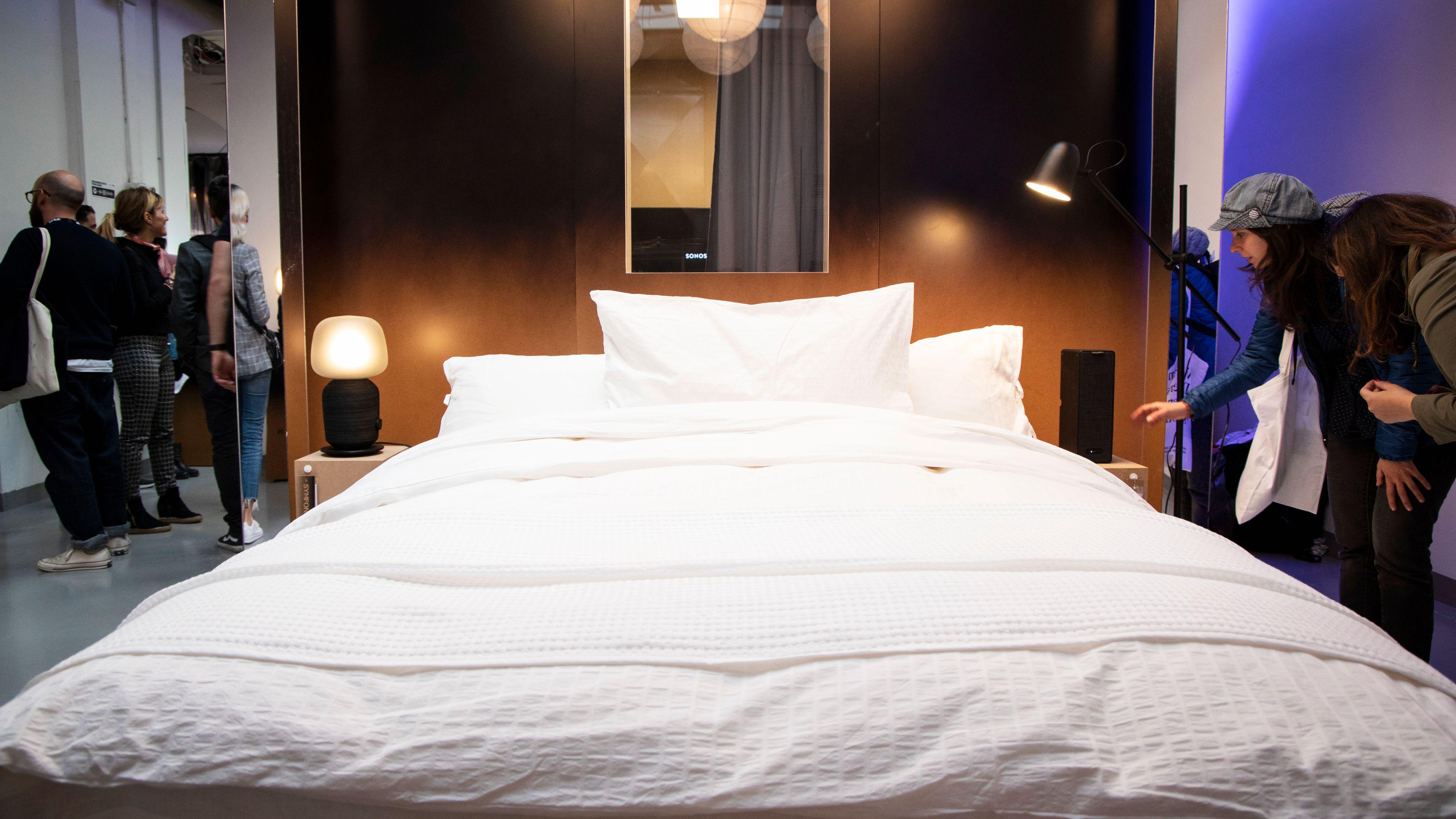 Stereohøyttalere på nattbordet? Fullt mulig med Ikea og Sonos' høyttalerlampe.