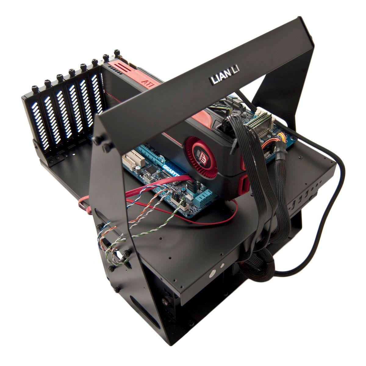 Lian-Li Pitstop T60 er beregnet på de som bytter maskinvare VELDIG ofte.