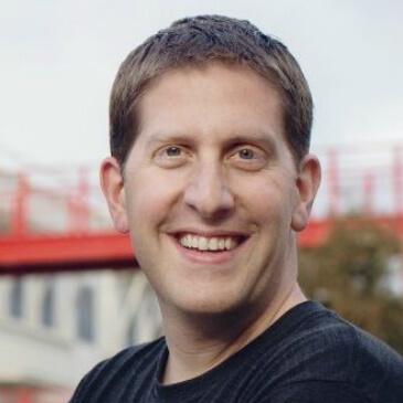 Facebooks produktsjef Guy Rosen sier de foreløpig vet veldig lite om angrepet og hvem som sto bak