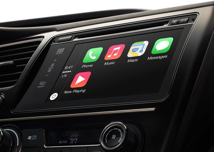 Apple er allerede investert i bilindustrien med CarPlay-løsningen sin. Foto: Apple