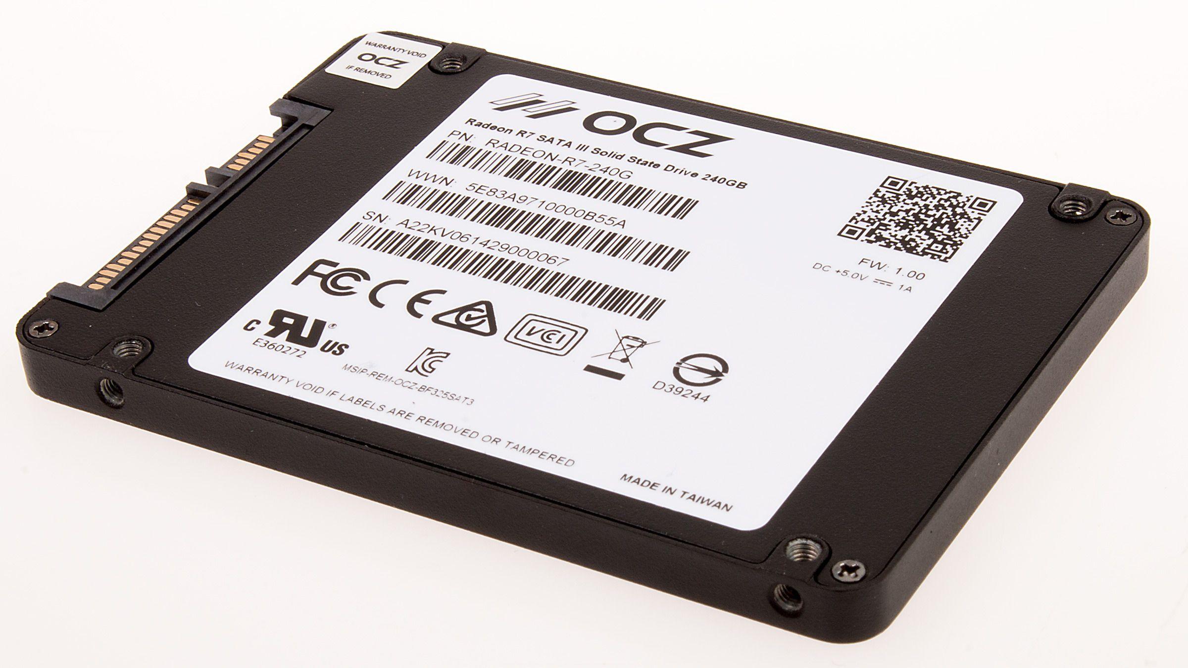 Det er lett å se hvem som har produsert AMDs nye SSD for dem.Foto: Varg Aamo, Hardware.no