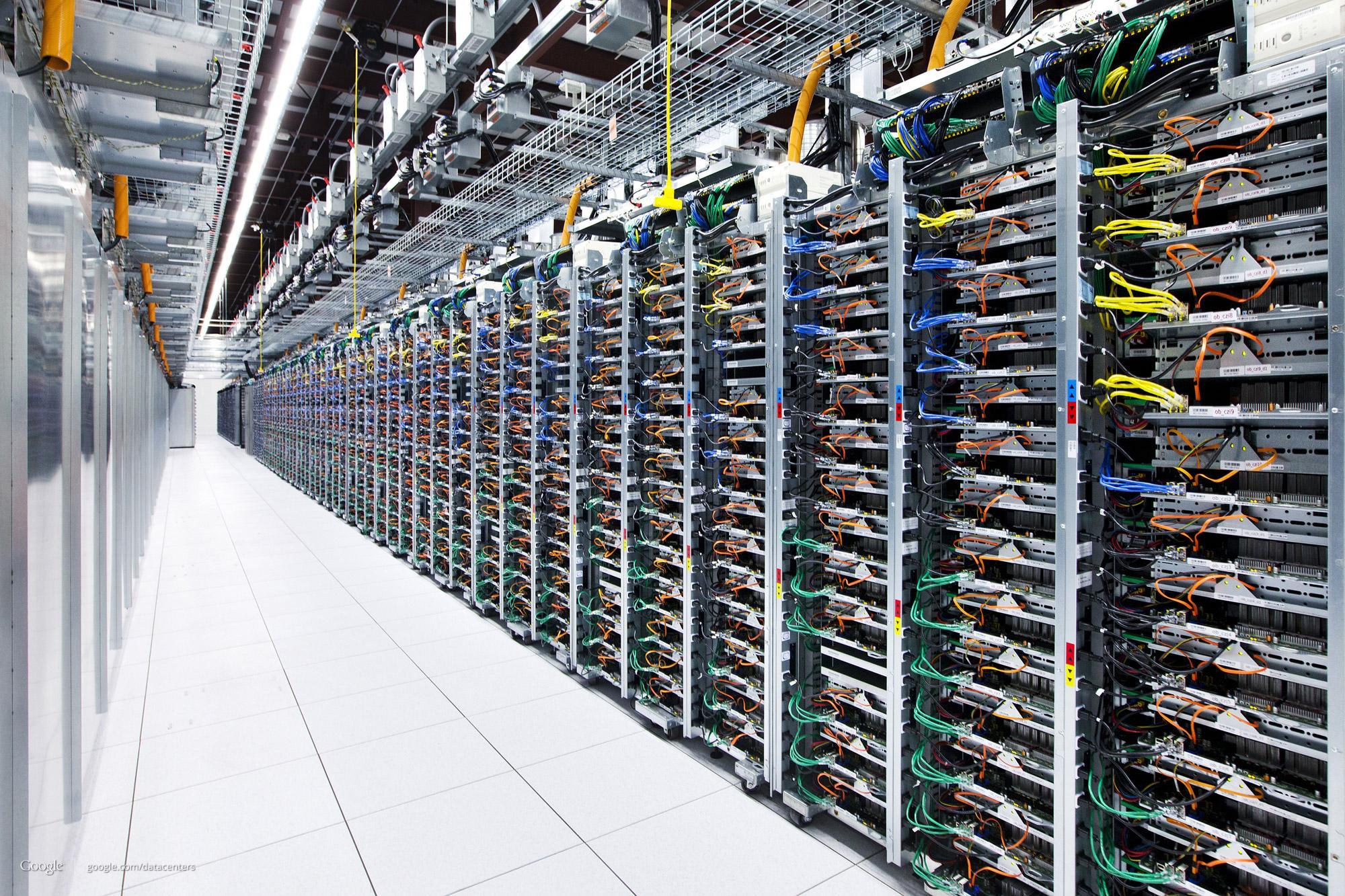 Servere på rekke og rad.Foto: Google/Connie Zhou