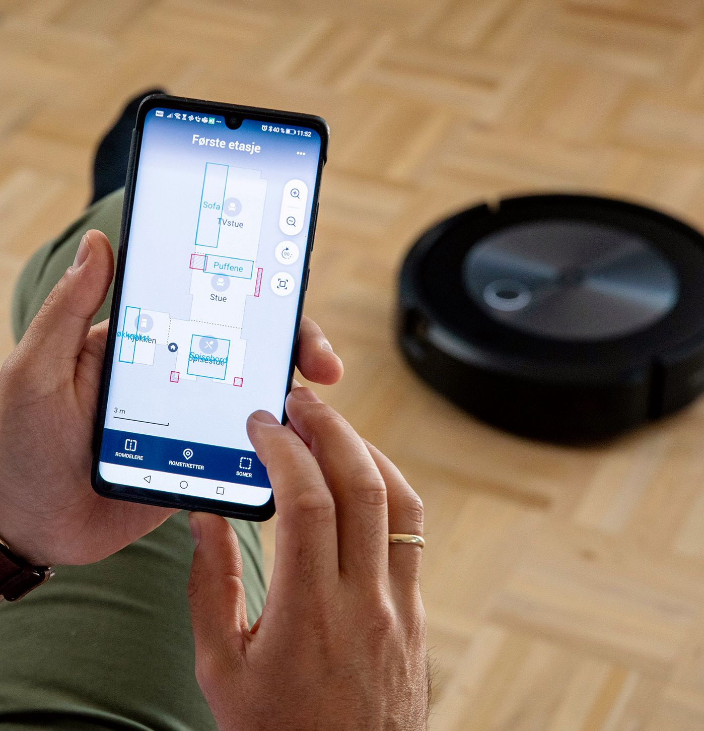 PRACTICAL: You can control the Roomba j7 + through a Norwegian language app on your mobile device.