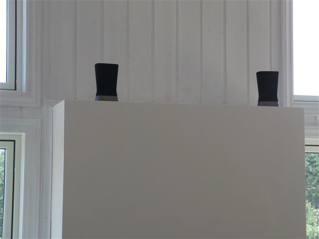 Plassert på en peishylle gir anlegget grei lyd til hverdagsbruk. Men Hi-Fi er det ikke.Foto: Espen Irwing Swang, Amobil.no