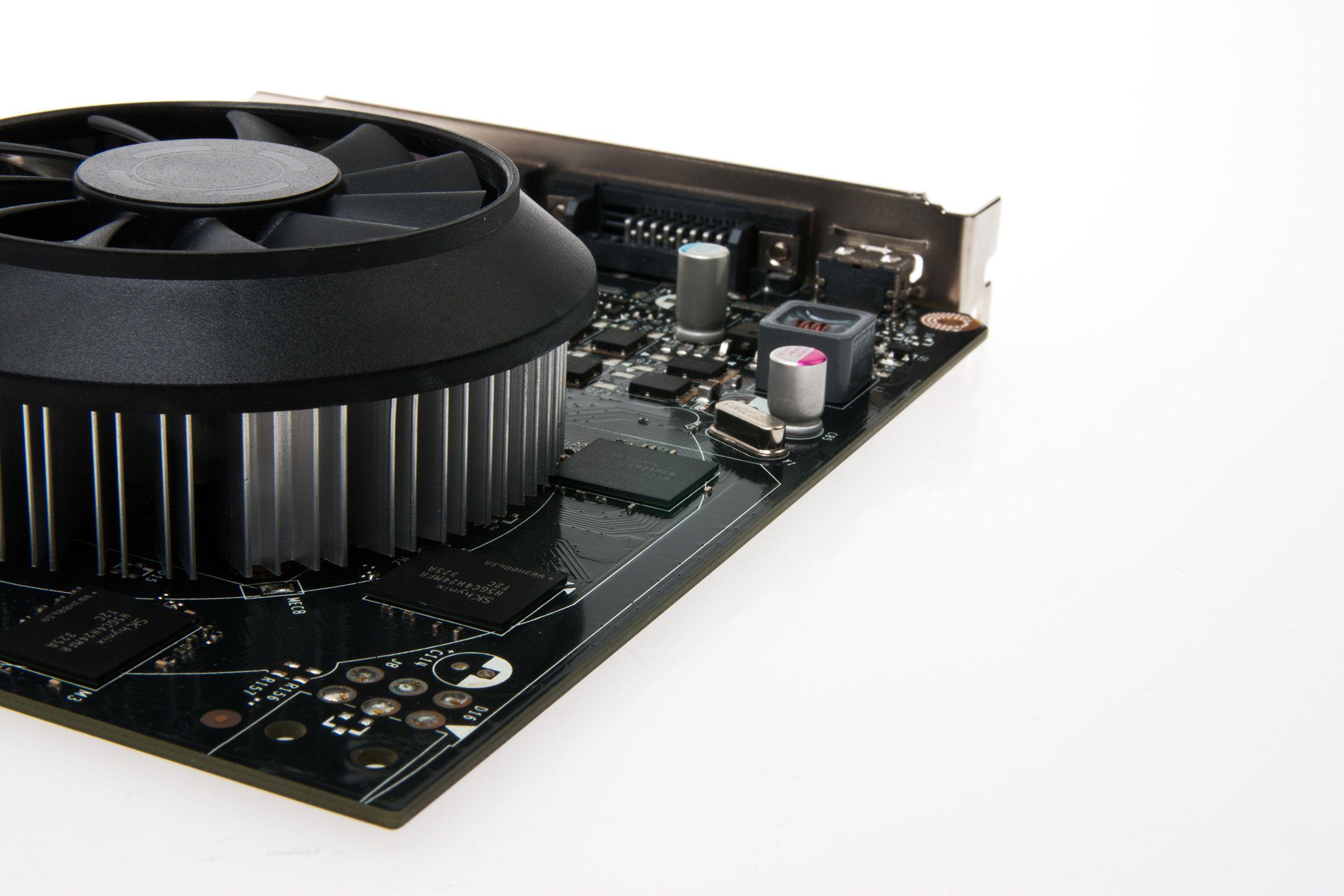 Mangelen på SLI-muligheter skyldes at Nvidia heller ville prioritere G-Sync for GeForce GTX 750 Ti.Foto: Varg Aamo, Hardware.no