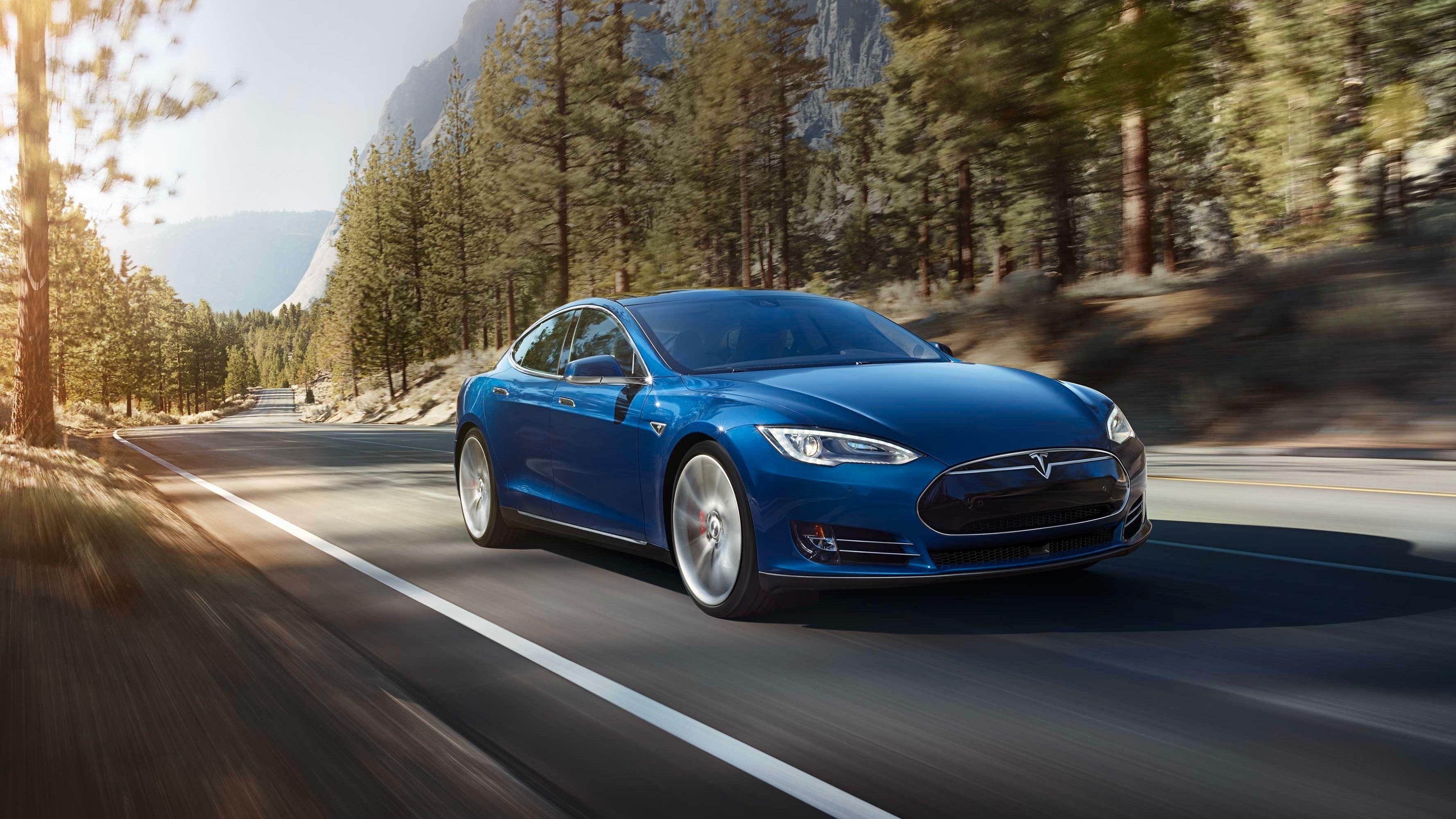 Teslaer med autopilot får dashcam-funksjon