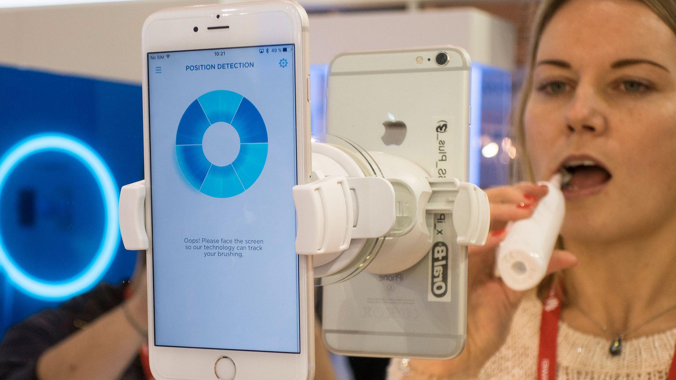 Denne tannbørsten kan snakke norsk med mobilen din
