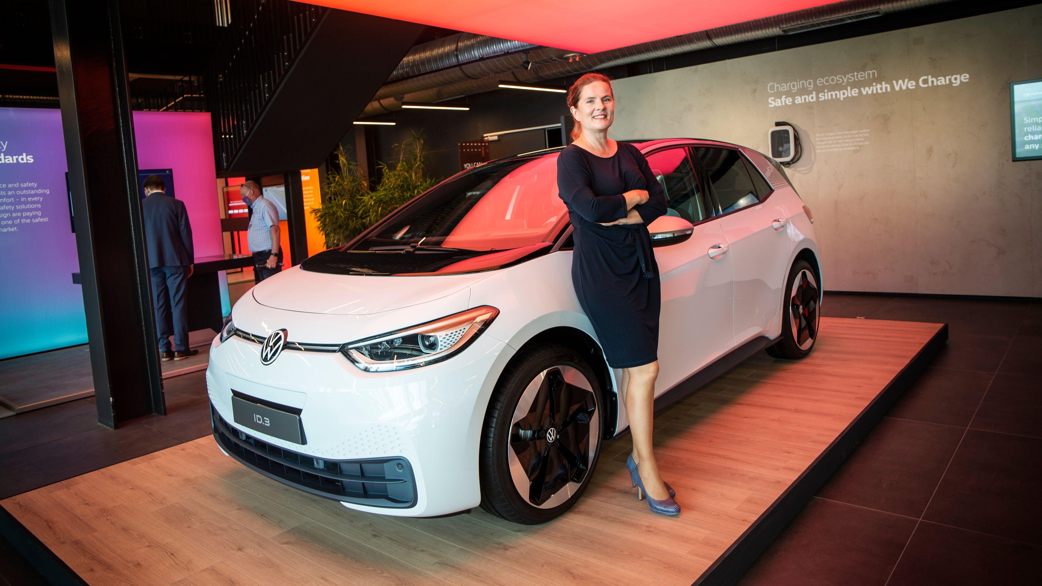 ID-sjef Silke Bagschik mener denne måten å produsere bil på vil være den nye normalen.