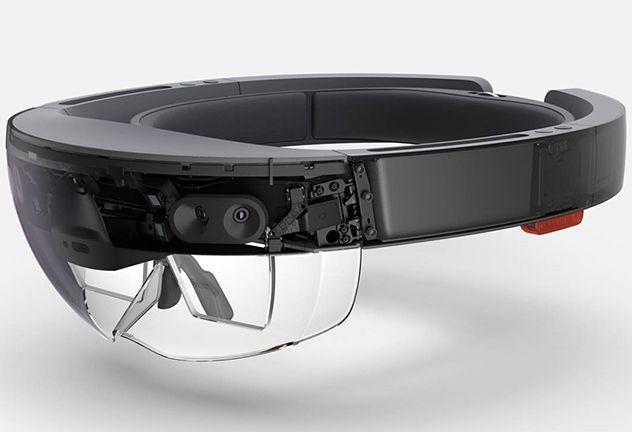 HoloLens byr på avanserte sensorer og mye prosessorkraft. Foto: Microsoft