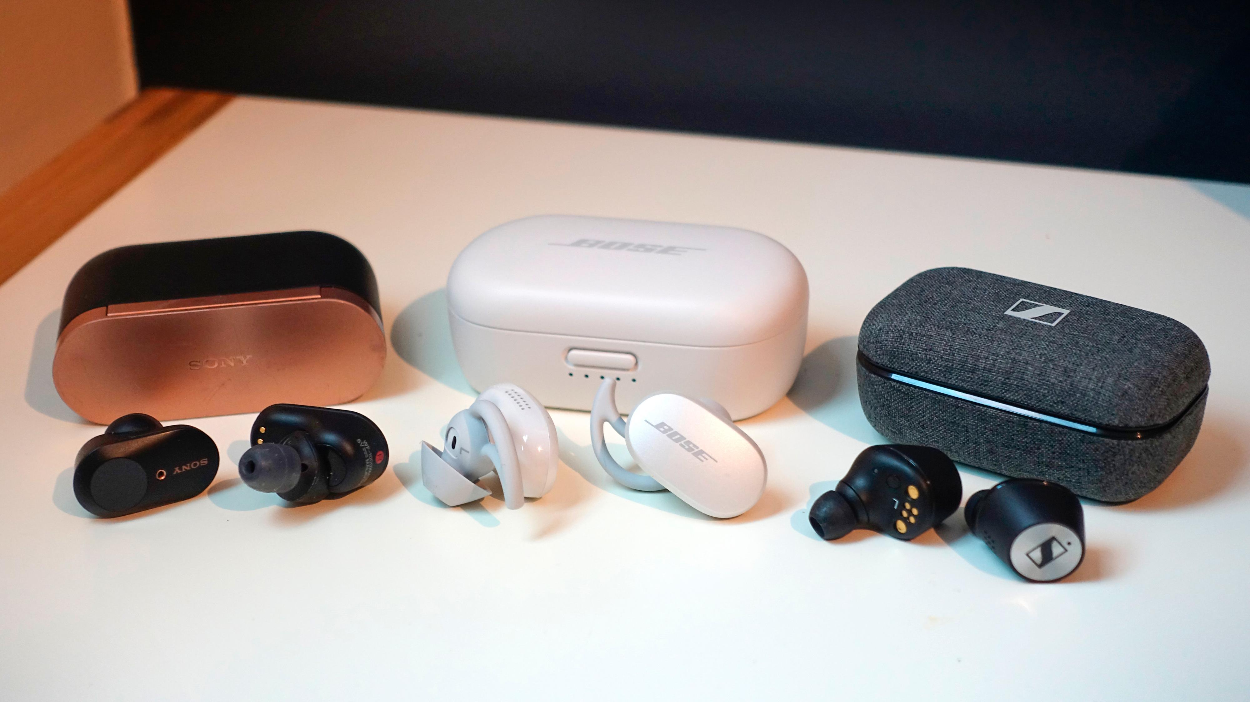 Fra venstre: Sony WF-1000XM3, Bose QC Earbuds og Sennheiser Momentum 2 TW.