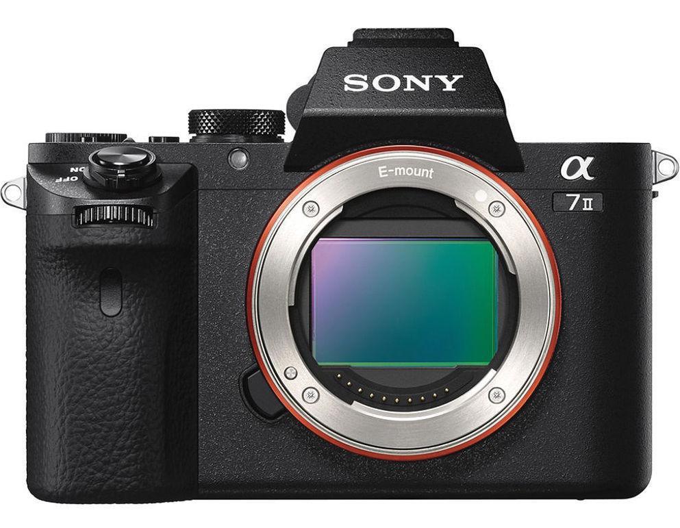 Sony A7 Mark II har en fullformat-sensor med bildestabilisering. Foto: Sony