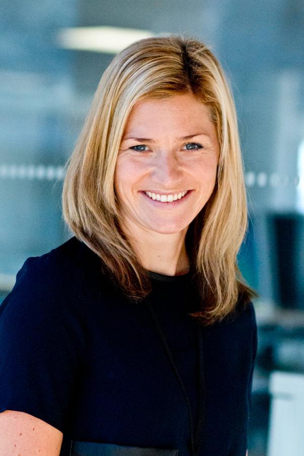Kommunikasjonssjef i Nordea Norge, Synne Ekrem, bekrefter at forbudet også omfatter alle 3000 Nordea-ansatte i Norge.