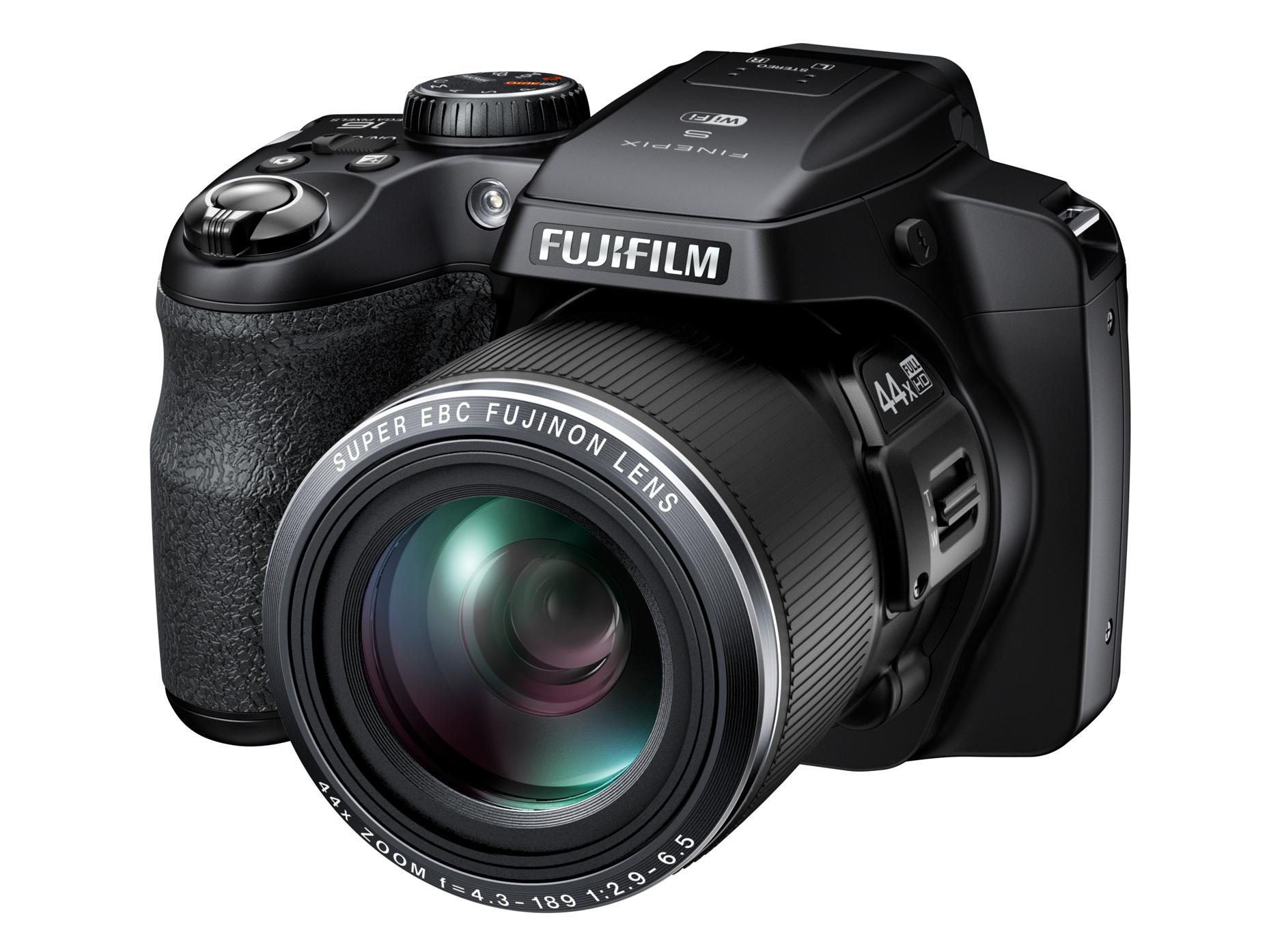 Fujifilm FinePix S8400W.