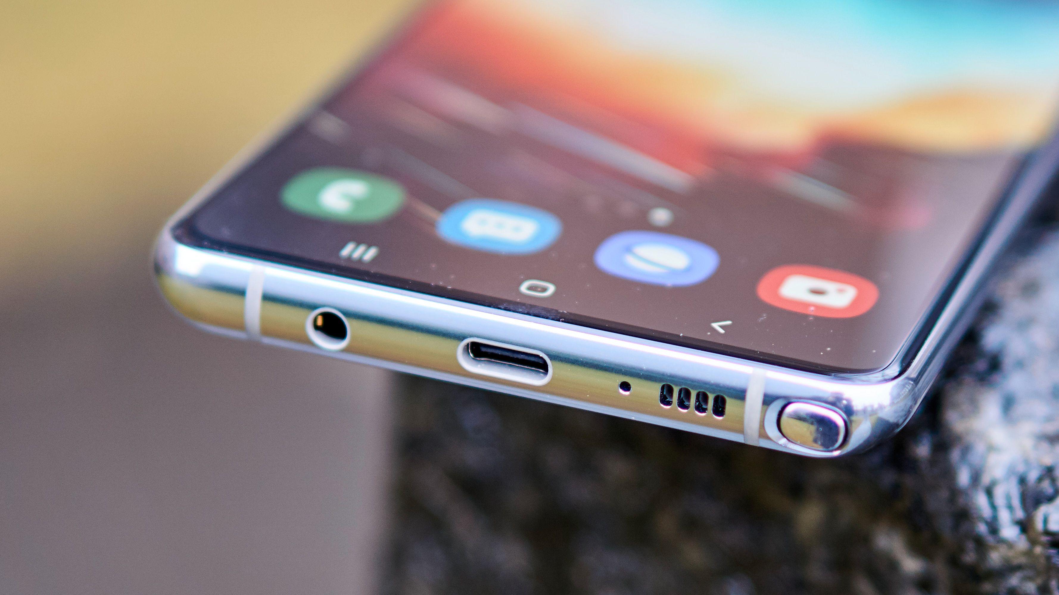 Designet er typisk Samsung.