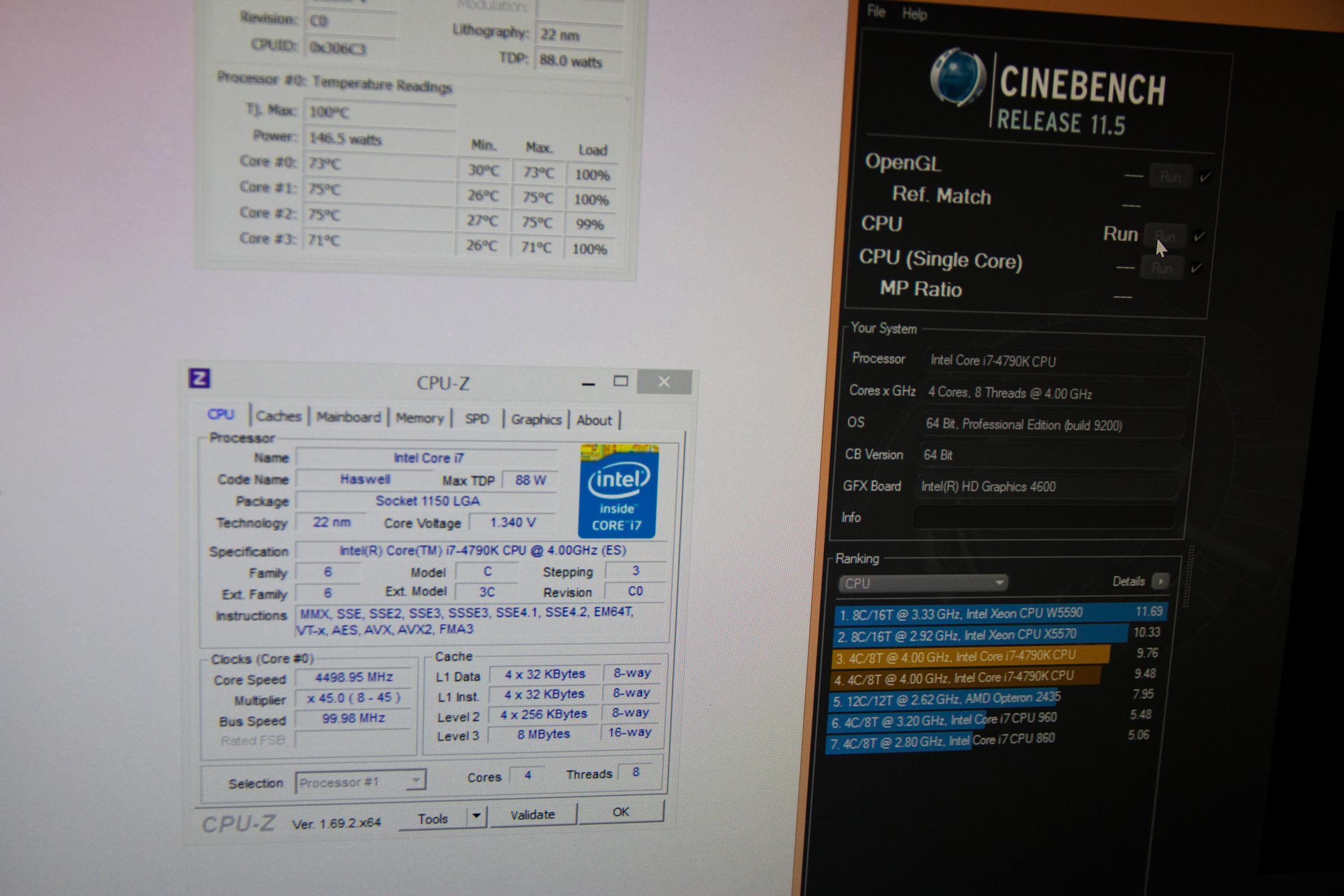 Vi fikk Intel til å kjøre Cinebench-testen et par ganger ekstra, og sannelig holdt frekvensen seg. Men varmt ble det.Foto: Varg Aamo, Hardware.no