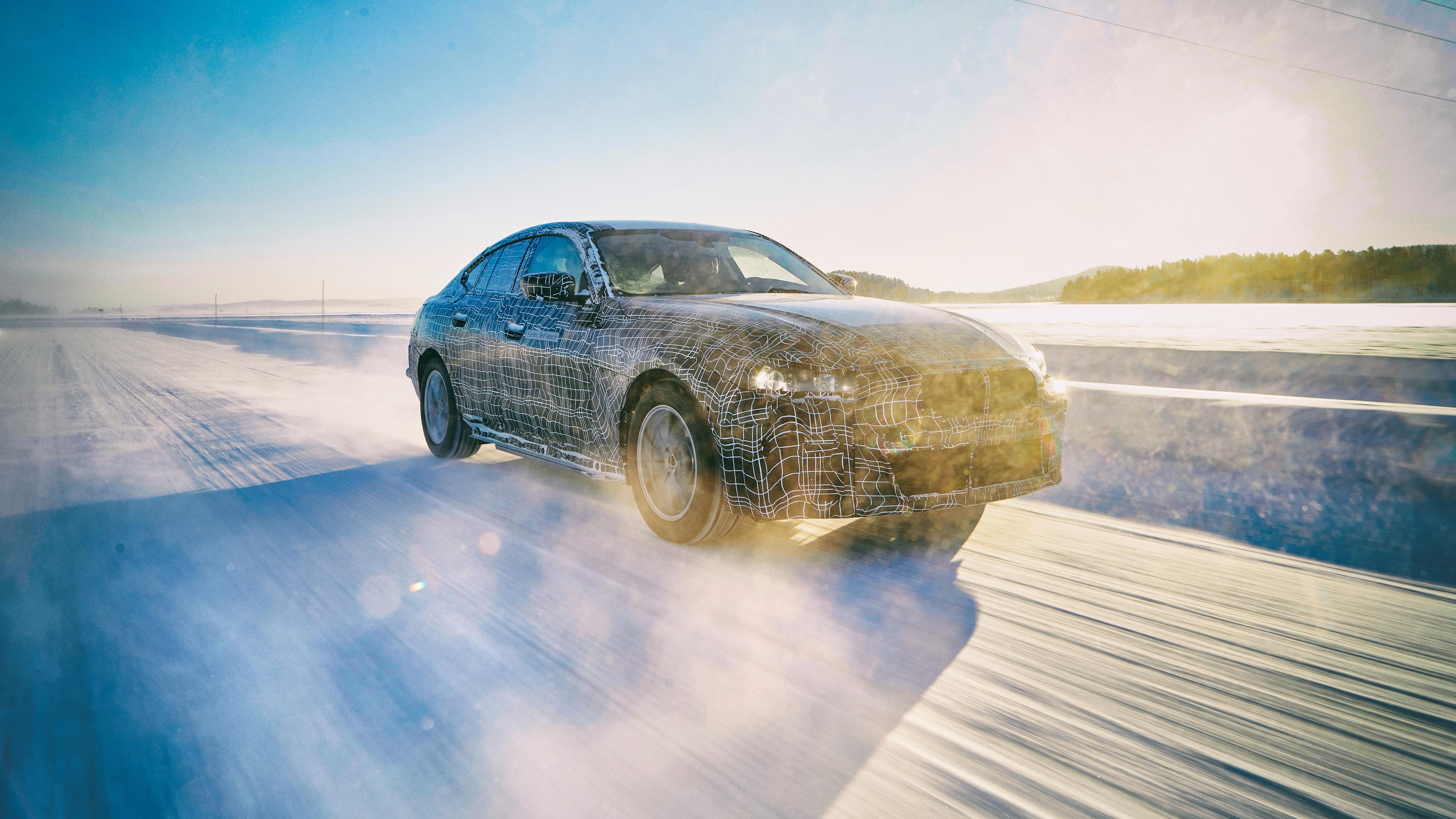 BMW slipper nye detaljer om i4: 600 km rekkevidde og over 500 hestekrefter