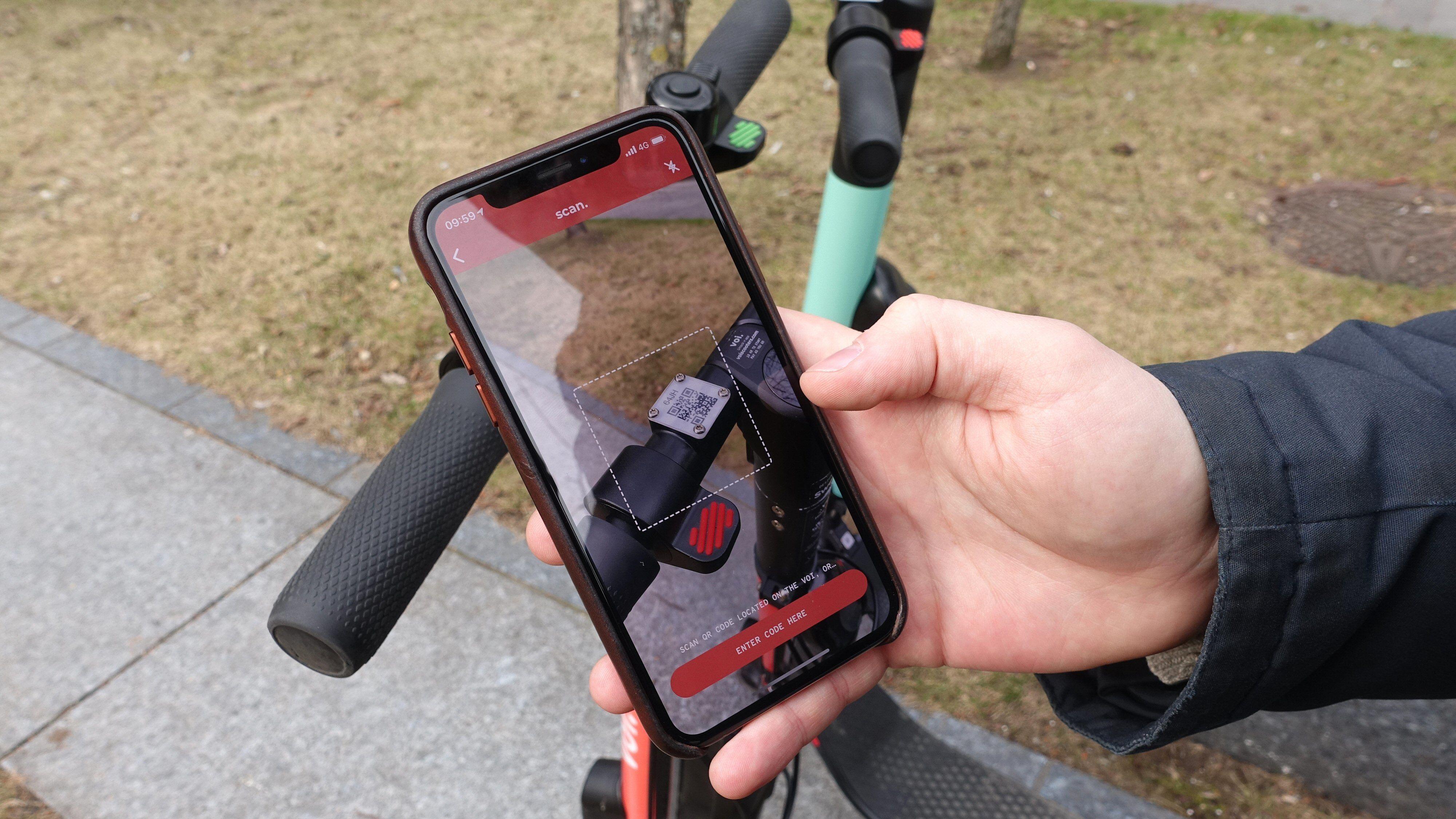 Smartmobil er nødvendig: Du leier ved å skanne sykkelens QR-kode i tilbyderens mobilapp.