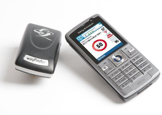 Du kan kjøpe GPS-mottaker sammen med programvare, som for eksempel Wayfinder.