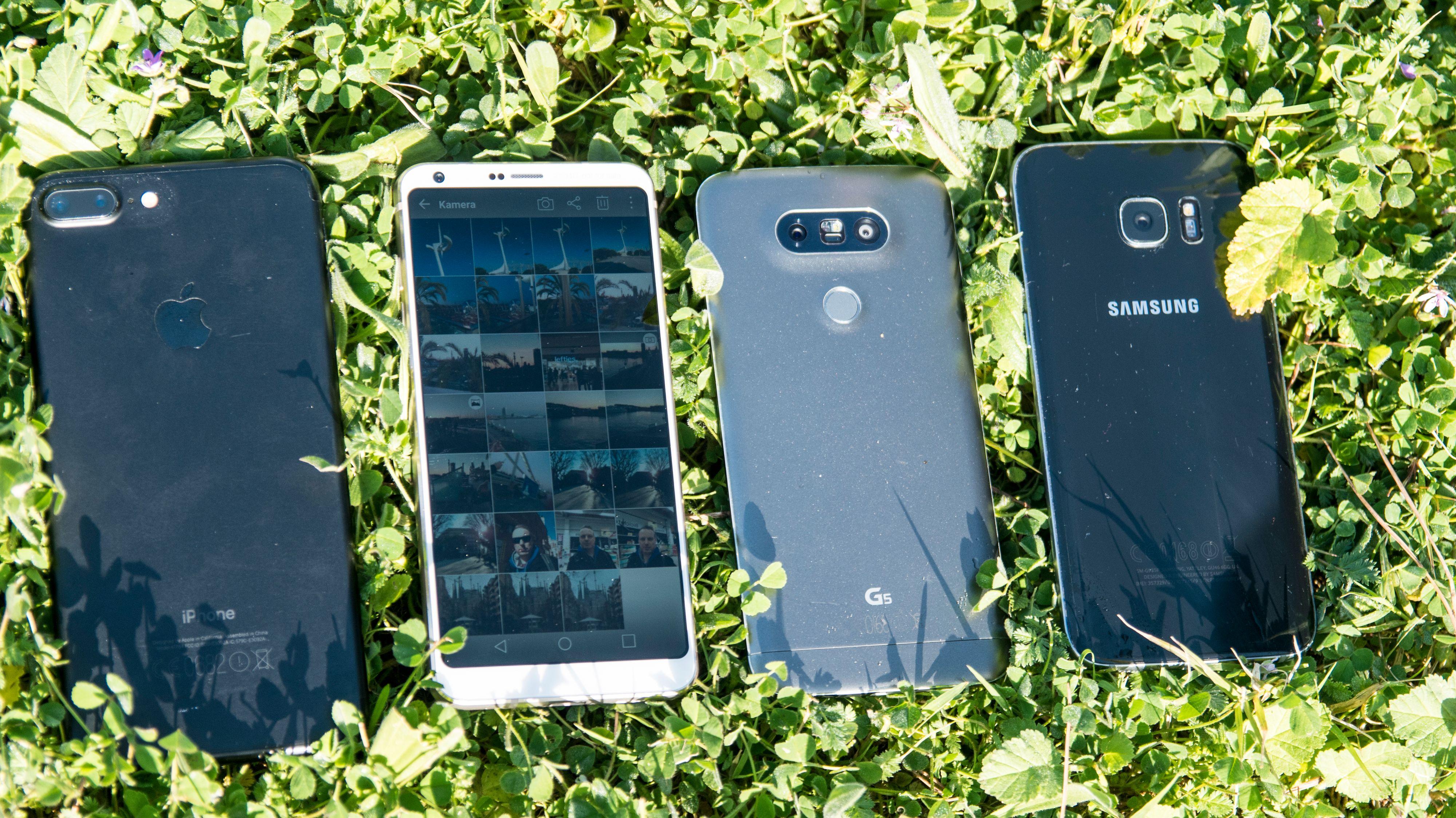 iPhone 7 Plus, LG G6, LG G5 og Samsung Galaxy S7 Edge. Felles for dem alle er at de er enten omtrent like store, eller større, samtidig som de har mindre skjerm enn G6.
