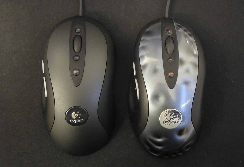 Logitech G400 til venstre, godt brukt MX518 til høyre.