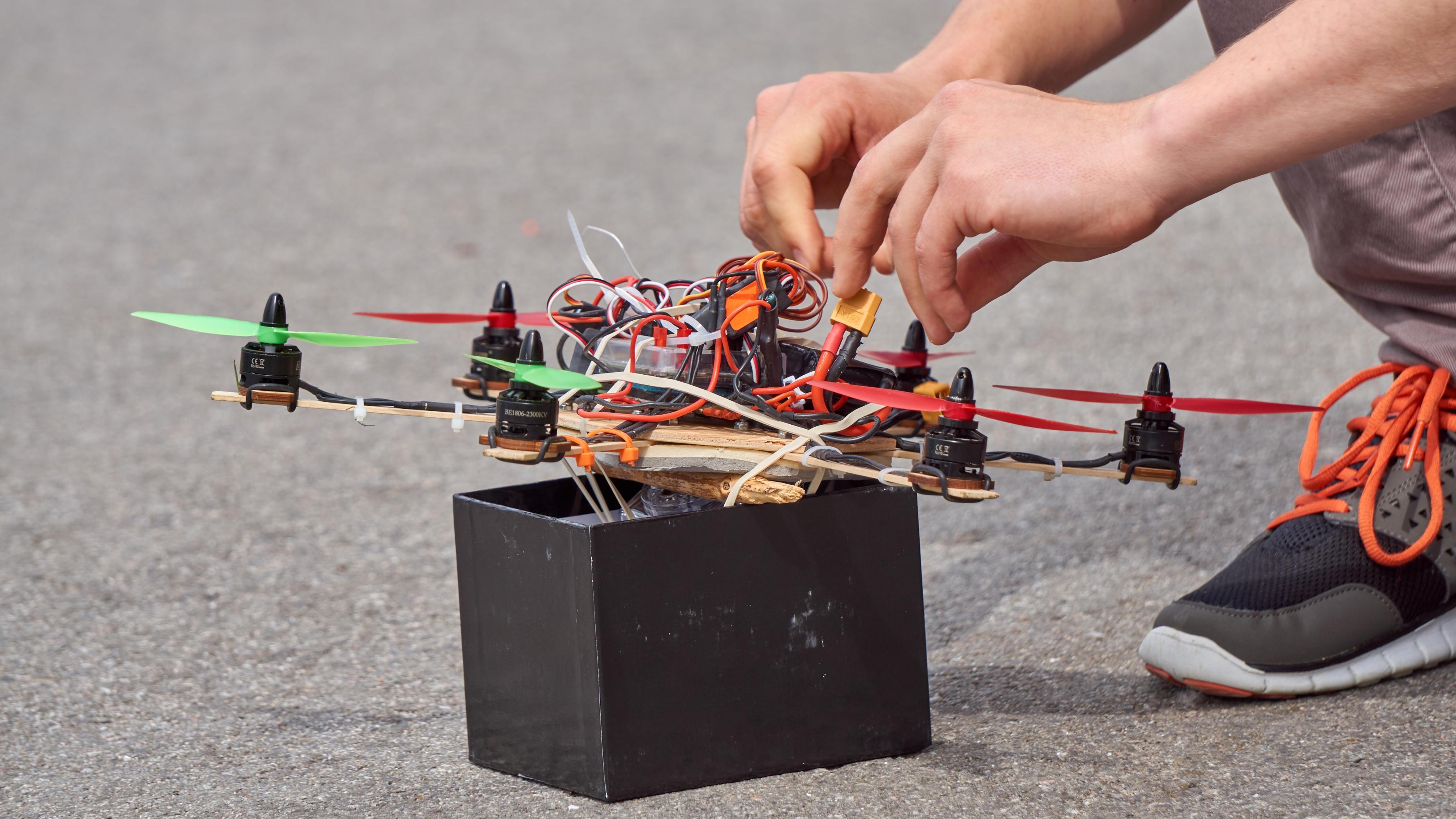 Enkelte av dronene trengte en egen utflyvningsplatform.