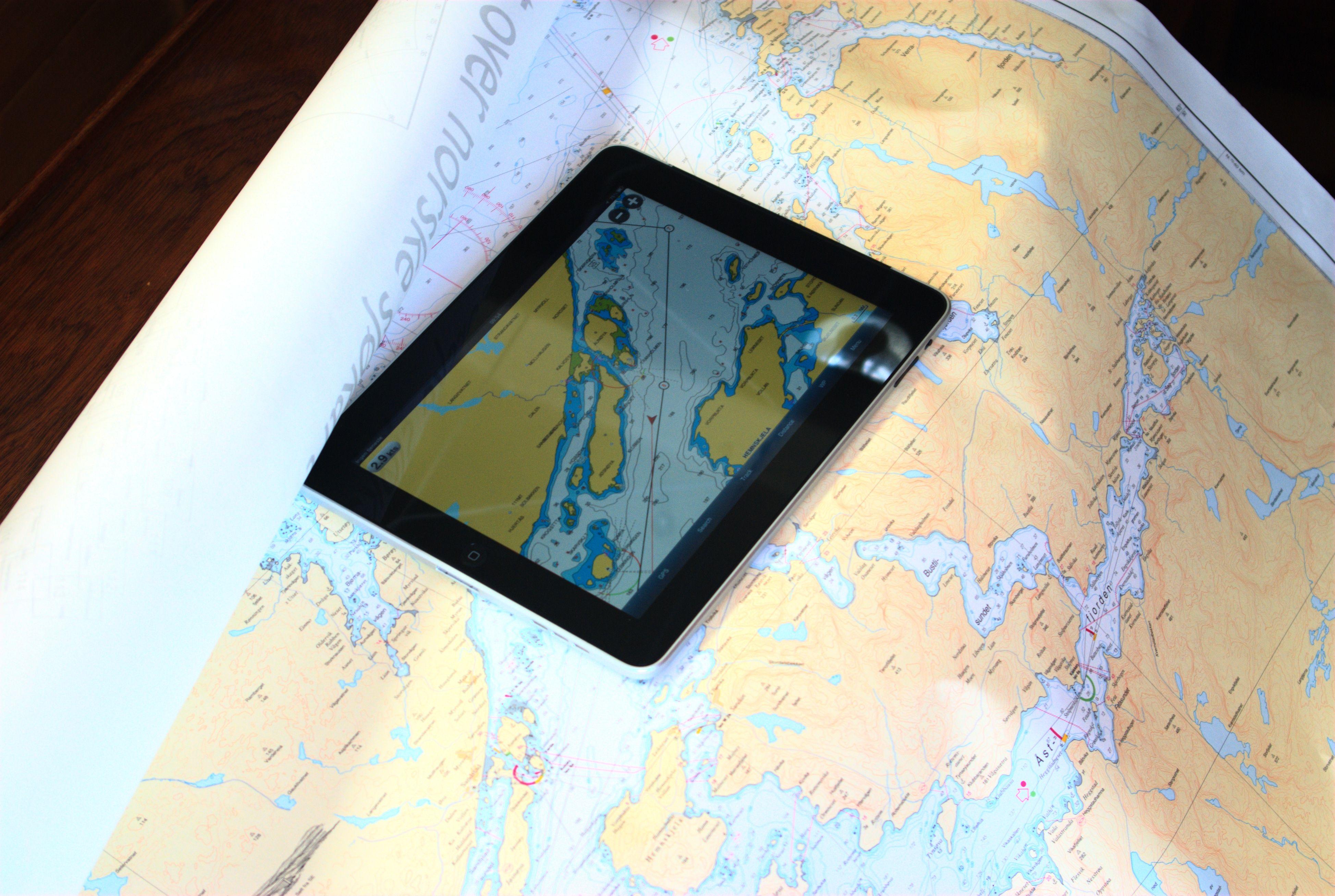 Kartet på iPad-en er prikk lik de gode gamle papirsjøkartene.
