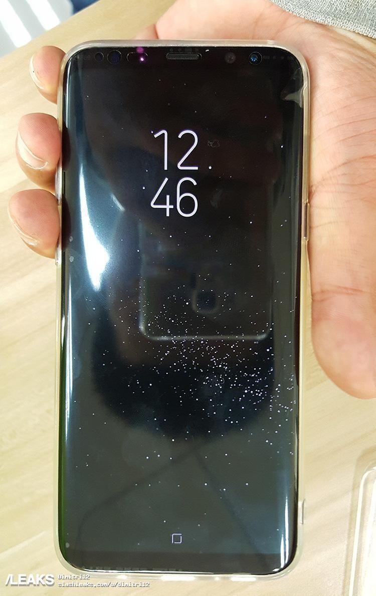 Dette bildet skal vise fremsiden av telefonen der hjem-knappen ikke lenger er på plass.
