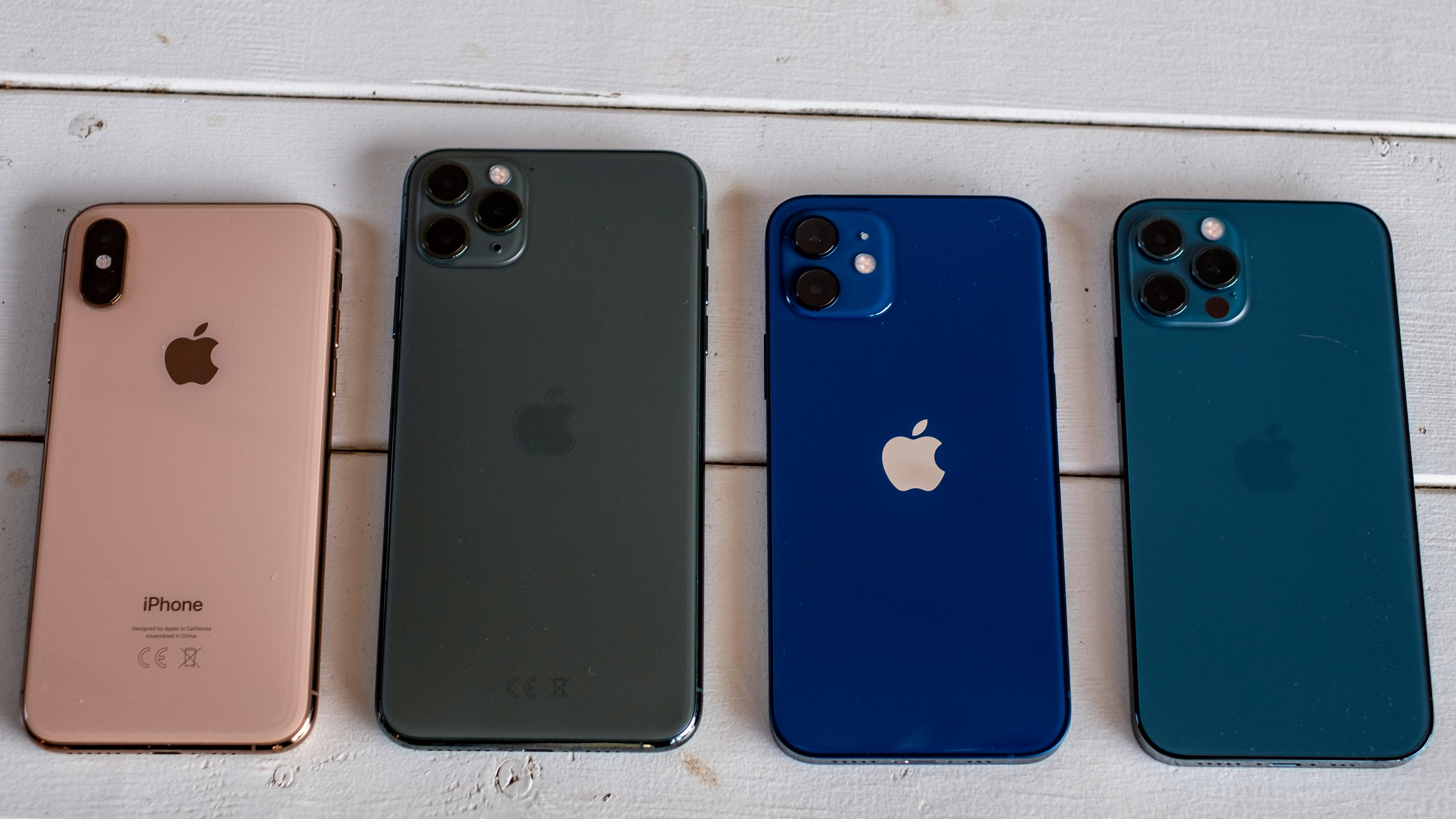 Fra venstre: iPhone Xs, iPhone 11 Pro, iPhone 12 og iPhone 12 Pro.
