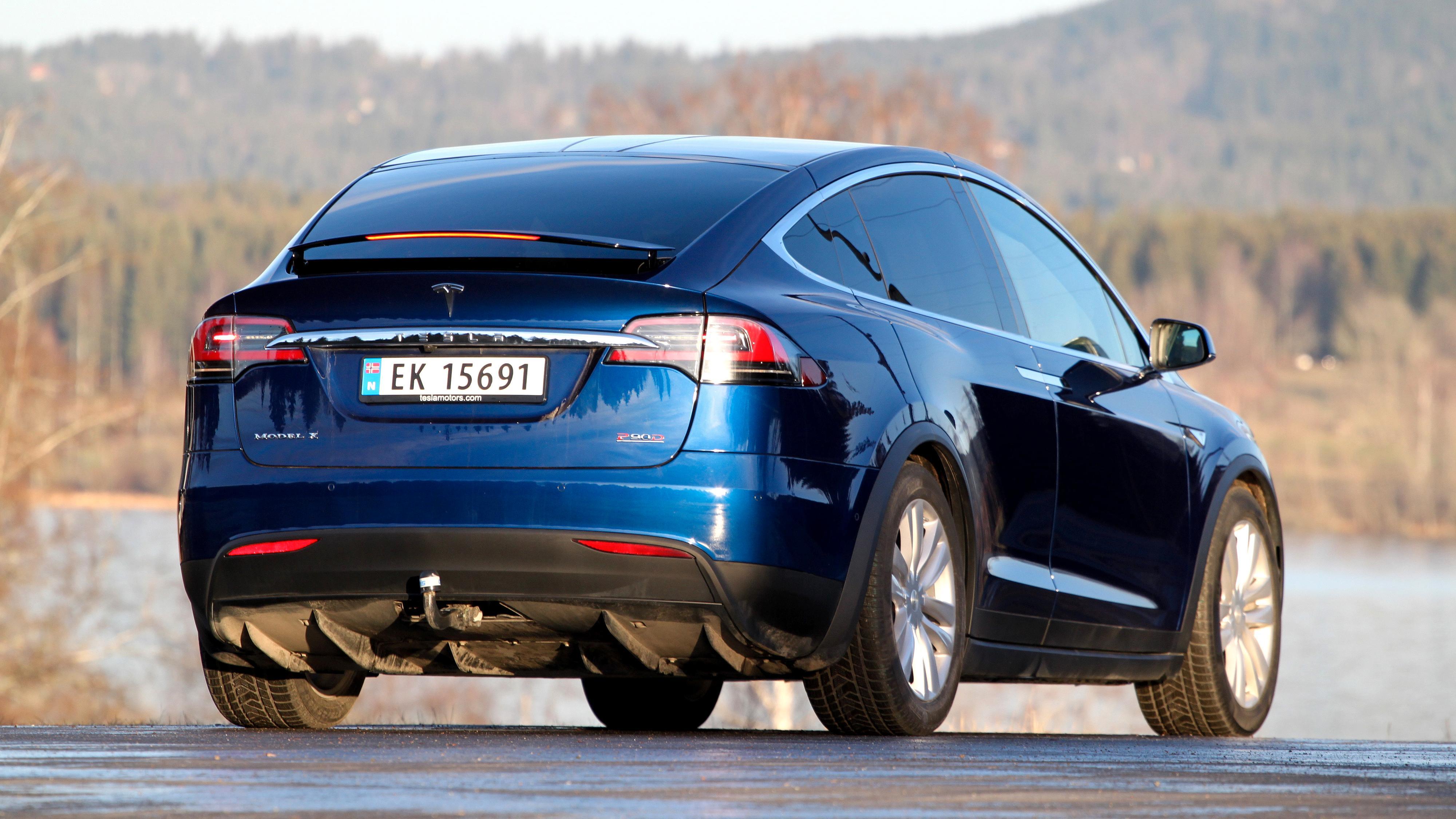 Tesla tilbakekaller 1.000 Model X i Norge