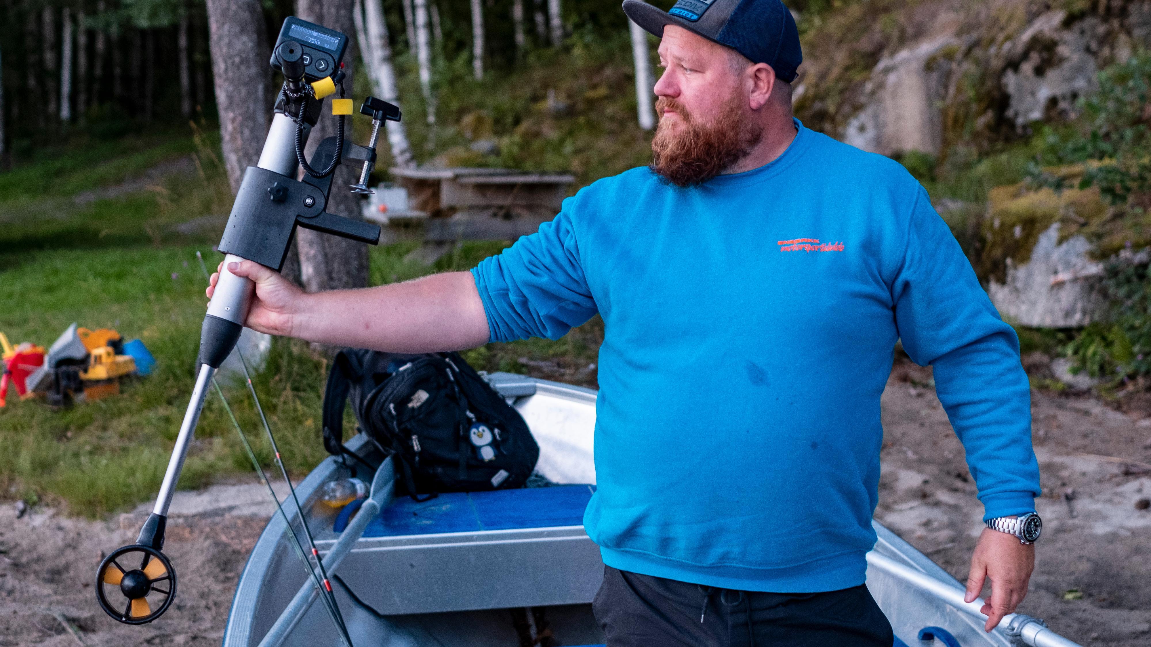 Med denne elbåtmotoren slipper du å drasse med deg et kjempebatteri