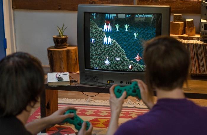 C.H.I.P har nok prosessorkraft til å spille enkle spill fra tidligere tider.
