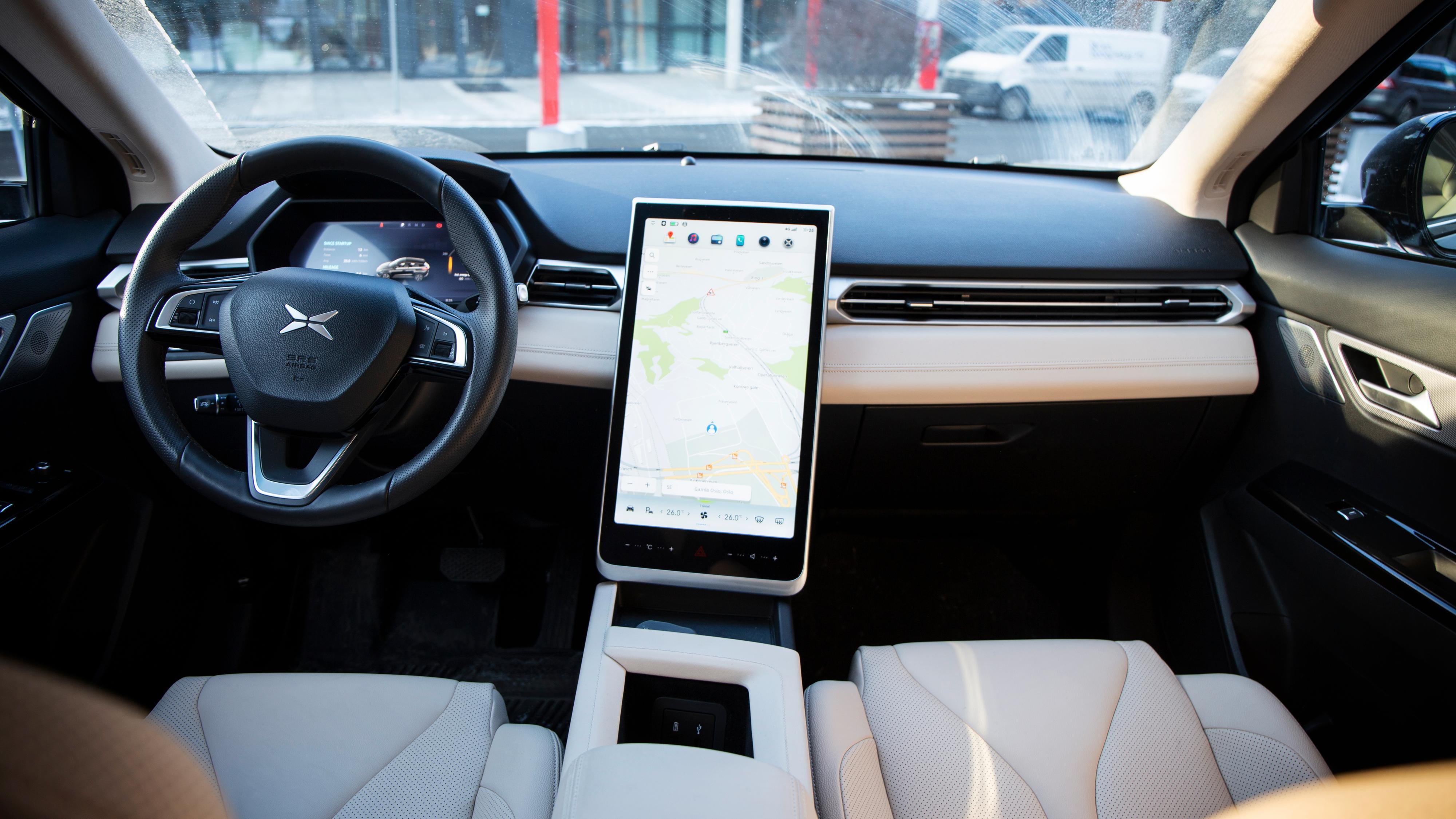 G3 er relativt minimalistisk innvendig, om enn ikke helt på nivå med Tesla Model 3.