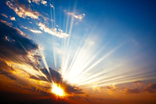 Over 50 prosent av den elektromagnetiske energien fra Solen er infrarødt lys, noe som betyr at det er mye å hente på å utnytte den. Foto: Roman Sakhno/Shutterstock.com