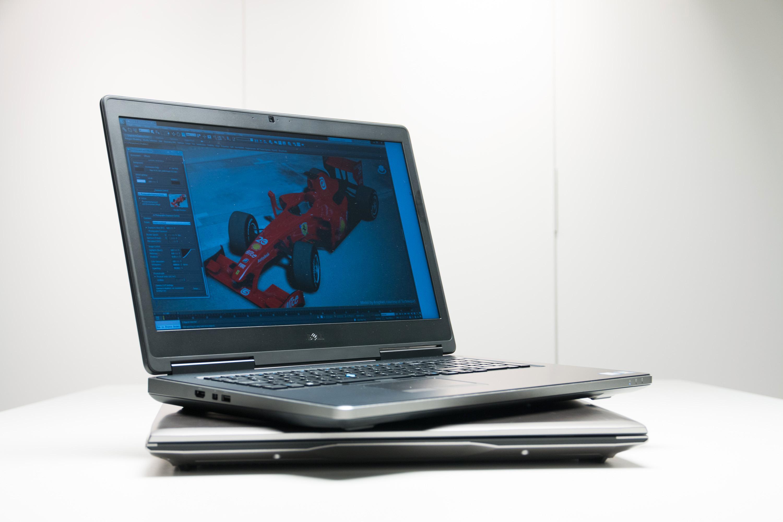 Dell Precision 7710 øverst, Asus ROG G752 nederst.