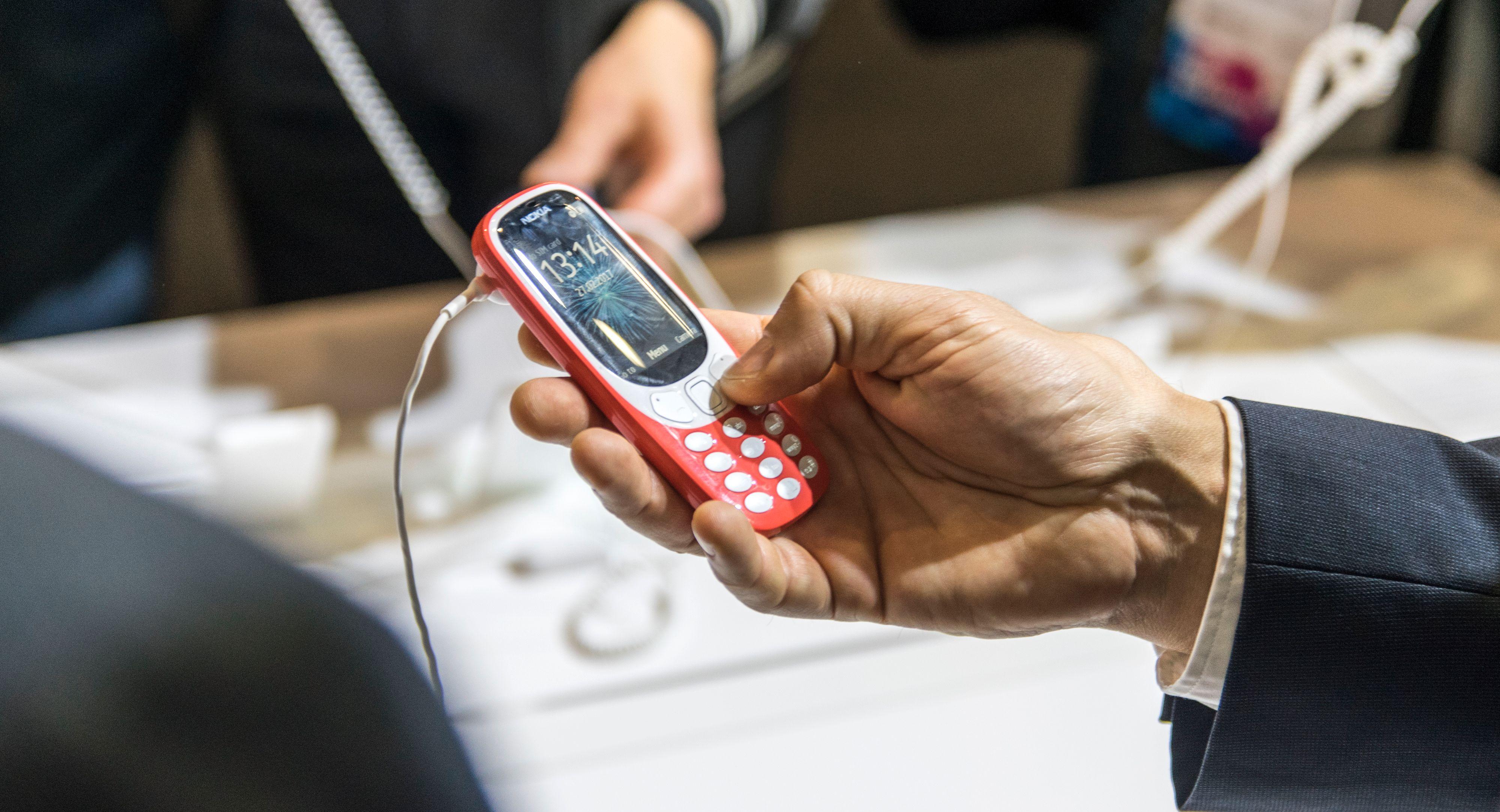 2017-utgaven av Nokia 3310 kommer i en drøss av forskjellige friske farger.