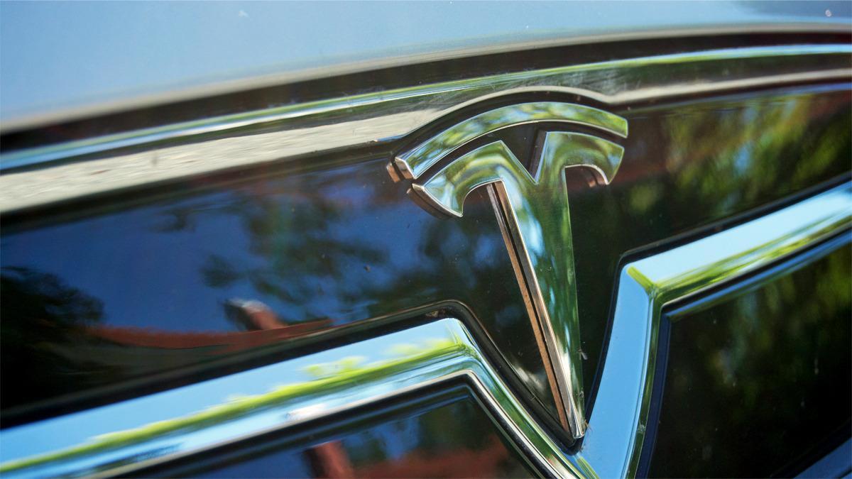 Elon Musk: – Om 5 år får Tesla en rekkevidde på opptil 1 200 kilometer