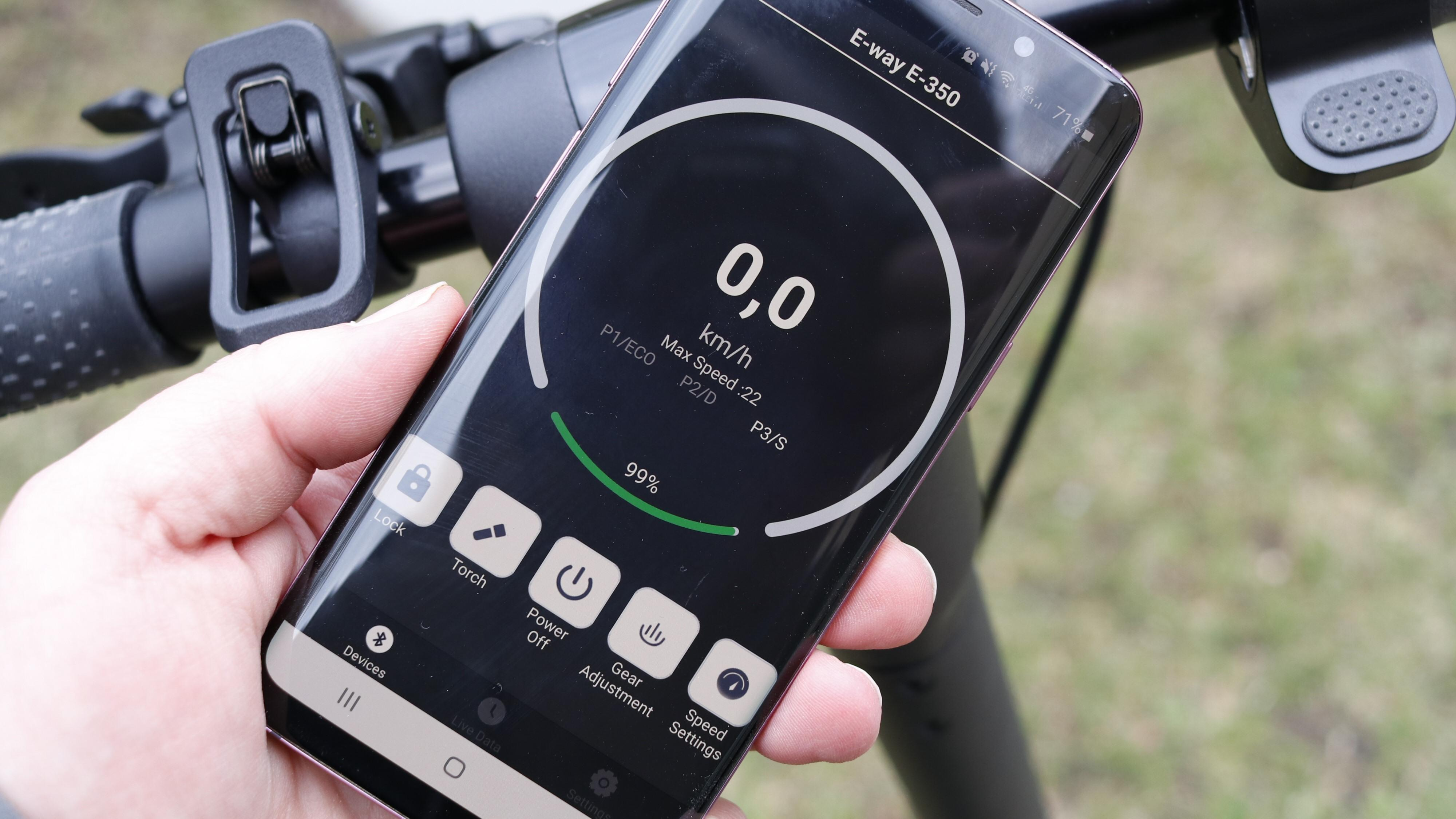 E-Way-sparkesyklene har en app som til en viss grad gjør det mulig å justere visse kjøreegenskaper.
