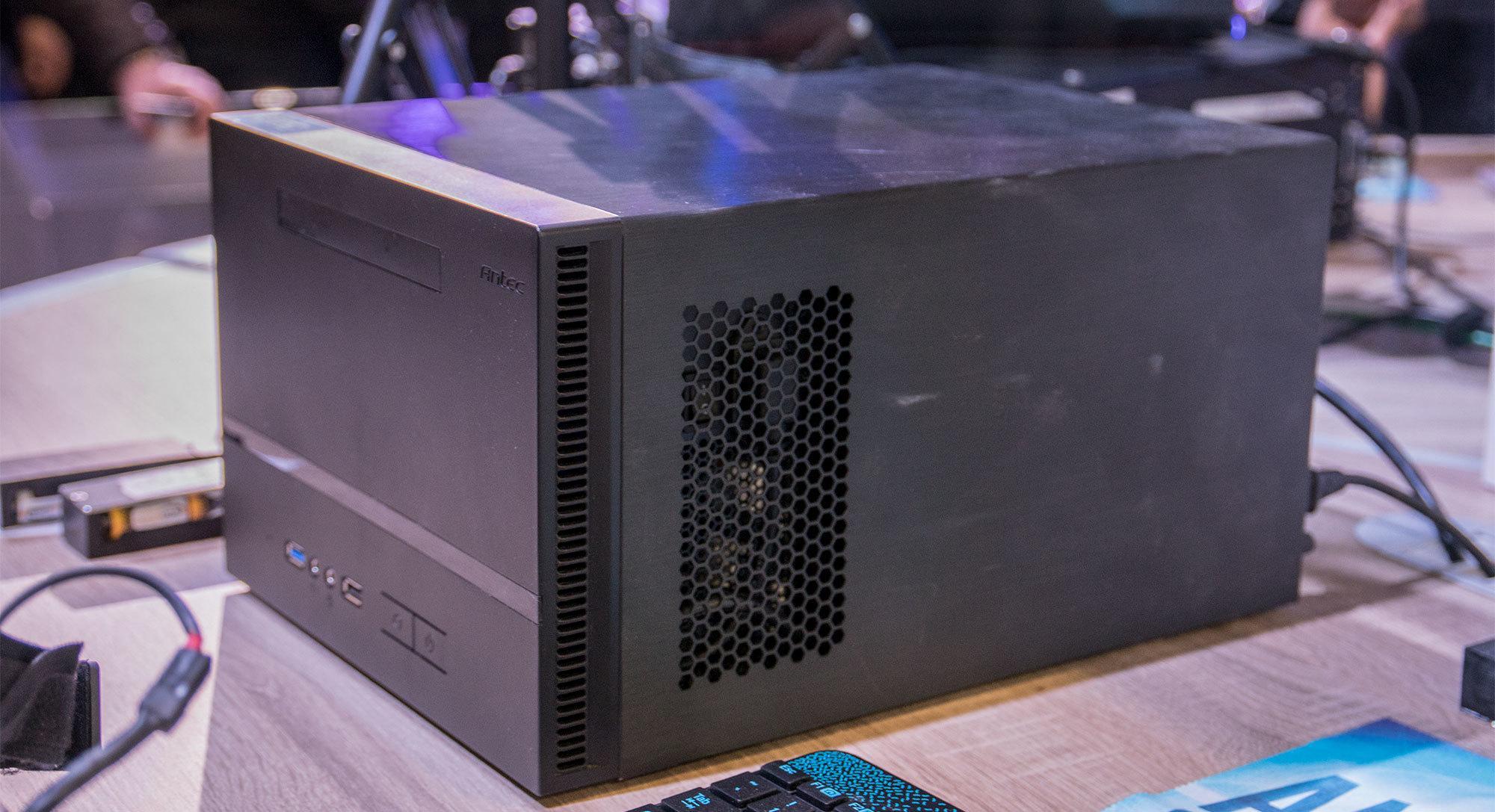 Oppsettet krevde ingen stor, ekstern antenne. Alt som trengtes var et trådløst nettverkskort i PC-en med støtte for WiGig.